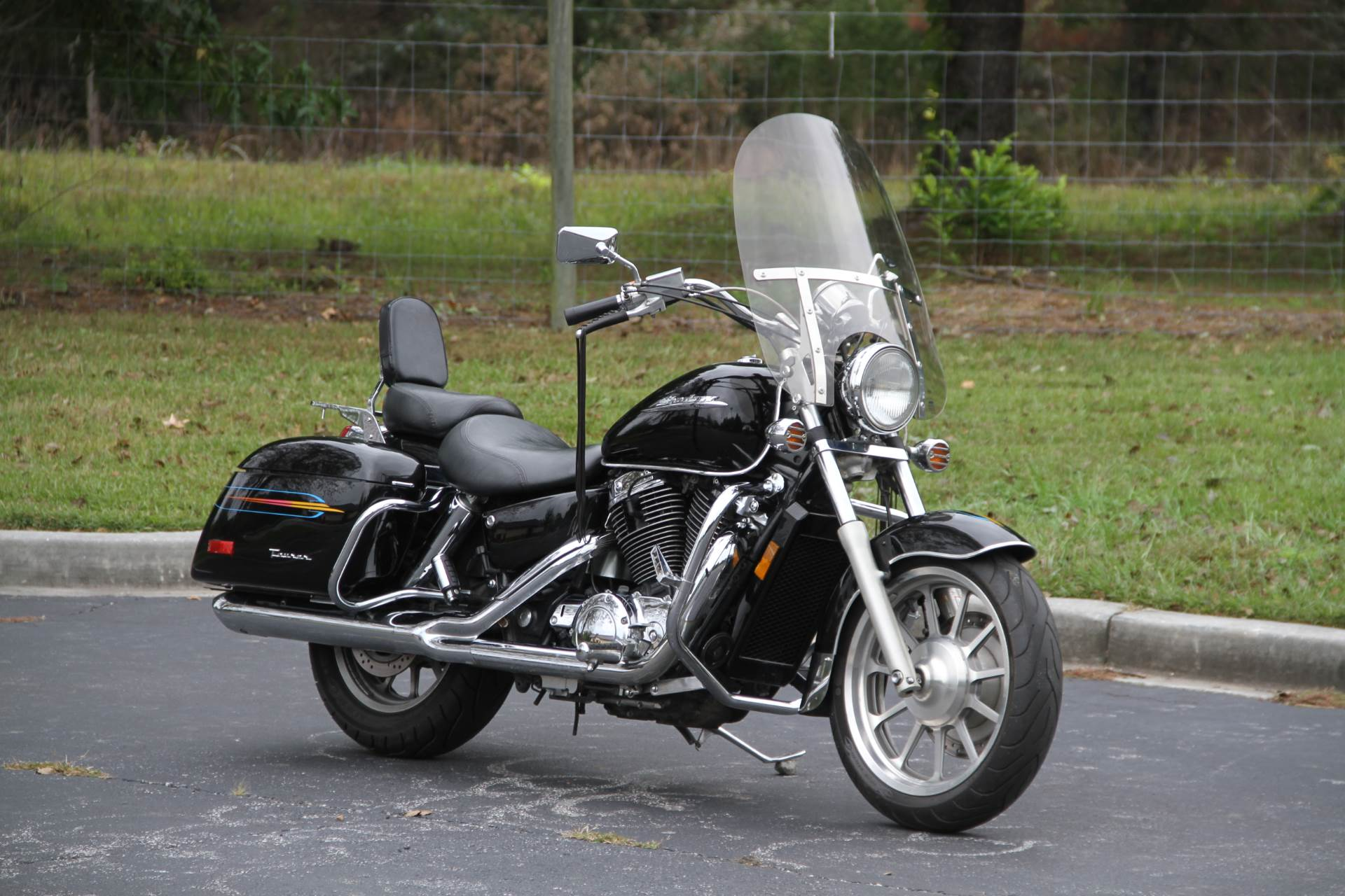 2000 Honda SHADOW TOUR in Hendersonville, North Carolina - Photo 6