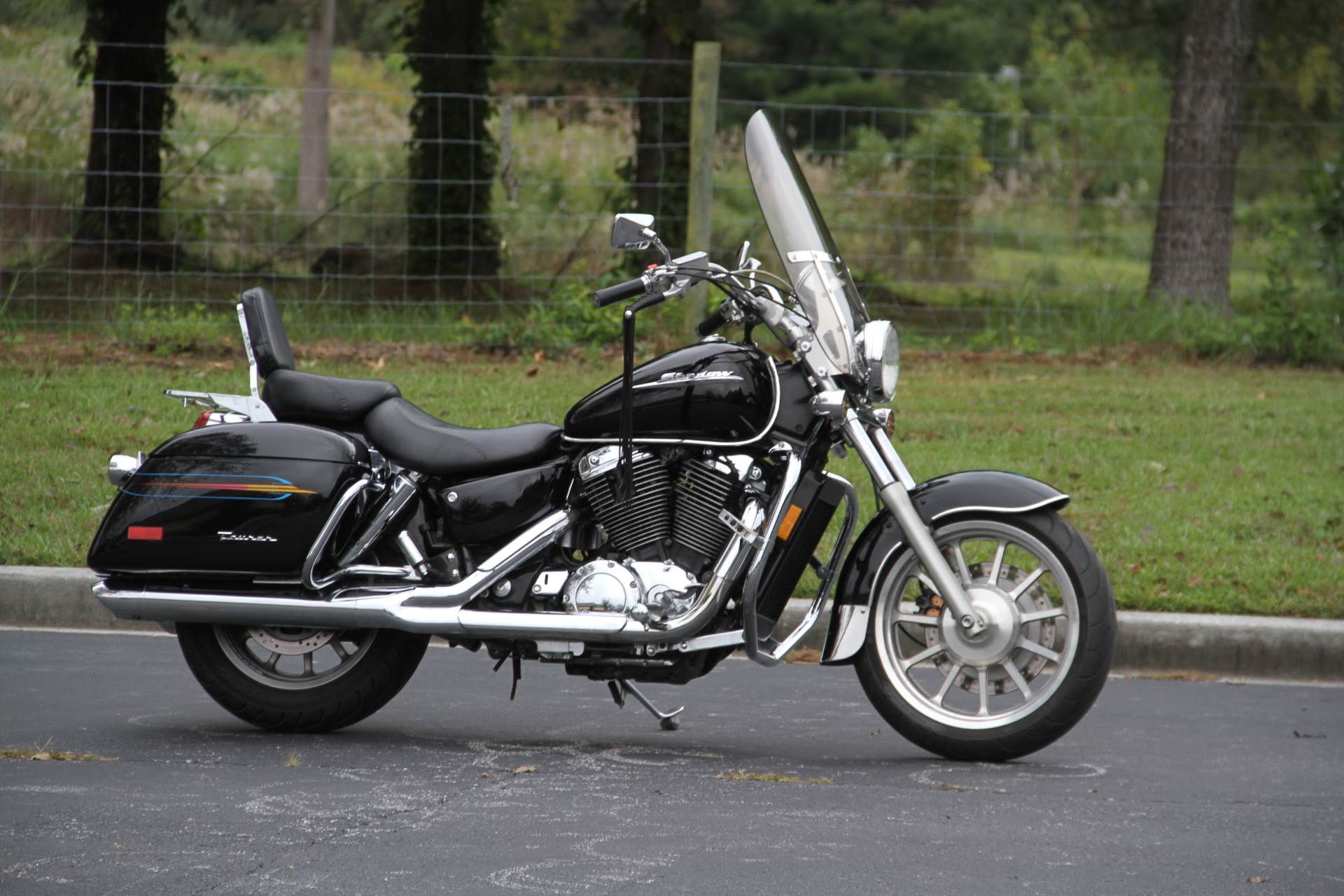 2000 Honda SHADOW TOUR in Hendersonville, North Carolina - Photo 1