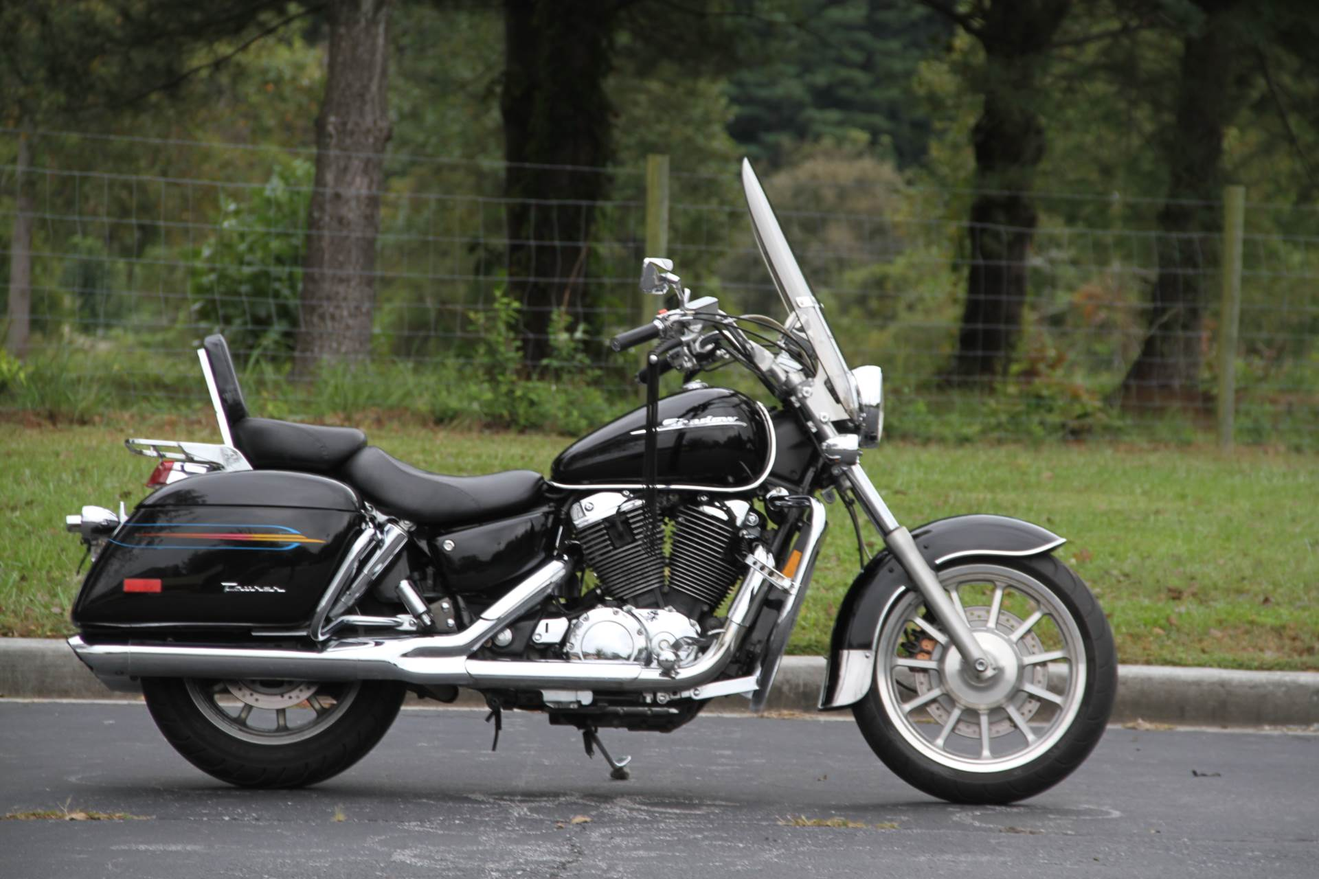 2000 Honda SHADOW TOUR in Hendersonville, North Carolina - Photo 13