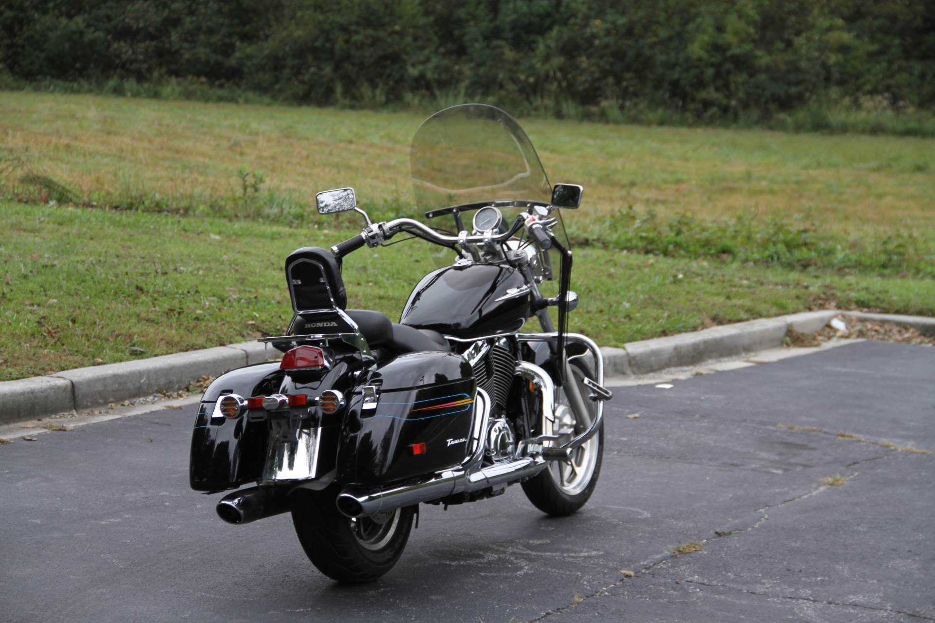 2000 Honda SHADOW TOUR in Hendersonville, North Carolina - Photo 18