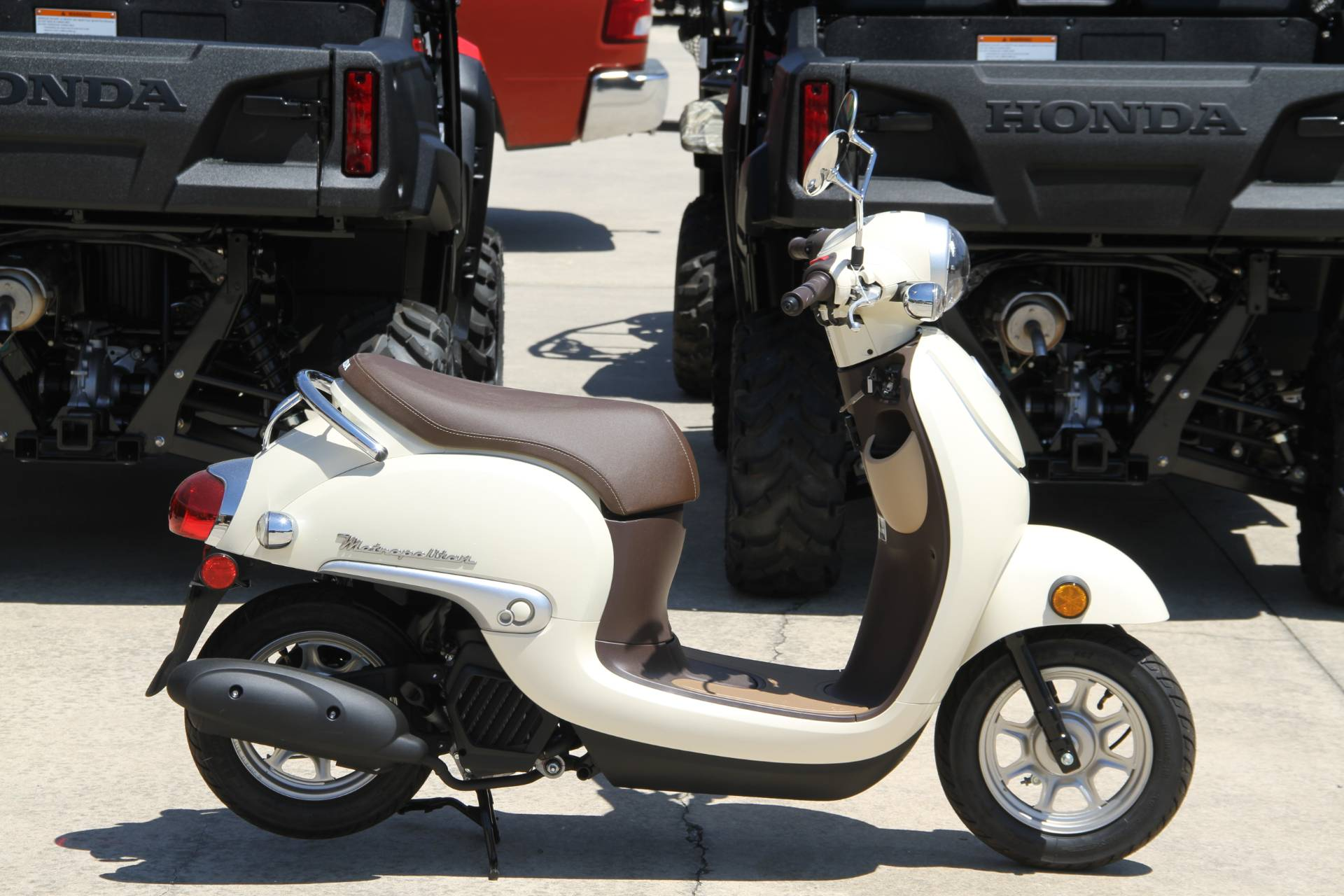 2019 Honda Metropolitan in Hendersonville, North Carolina - Photo 3