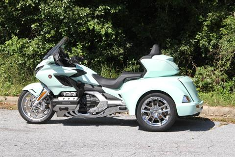 2019 Honda Gold Wing Tour Automatic DCT in Hendersonville, North Carolina - Photo 19