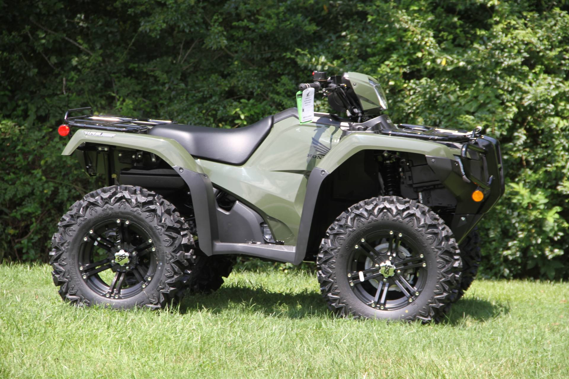 2021 Honda FourTrax Foreman Rubicon 4x4 Automatic DCT EPS in Hendersonville, North Carolina - Photo 2