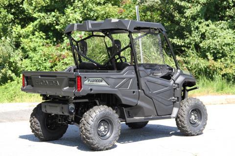 2016 Honda Pioneer 1000 in Hendersonville, North Carolina