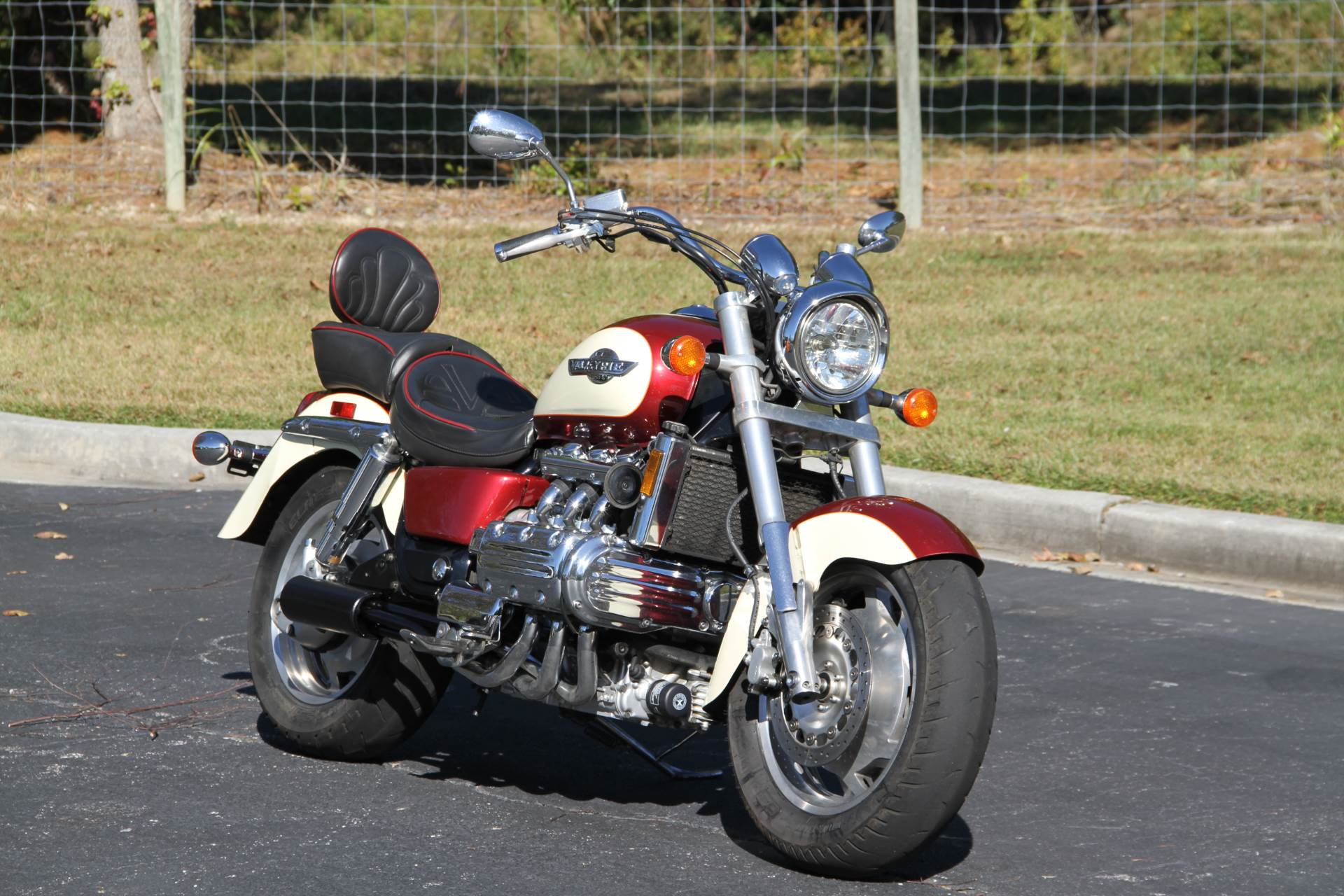 1998 Honda GL1500C in Hendersonville, North Carolina - Photo 2