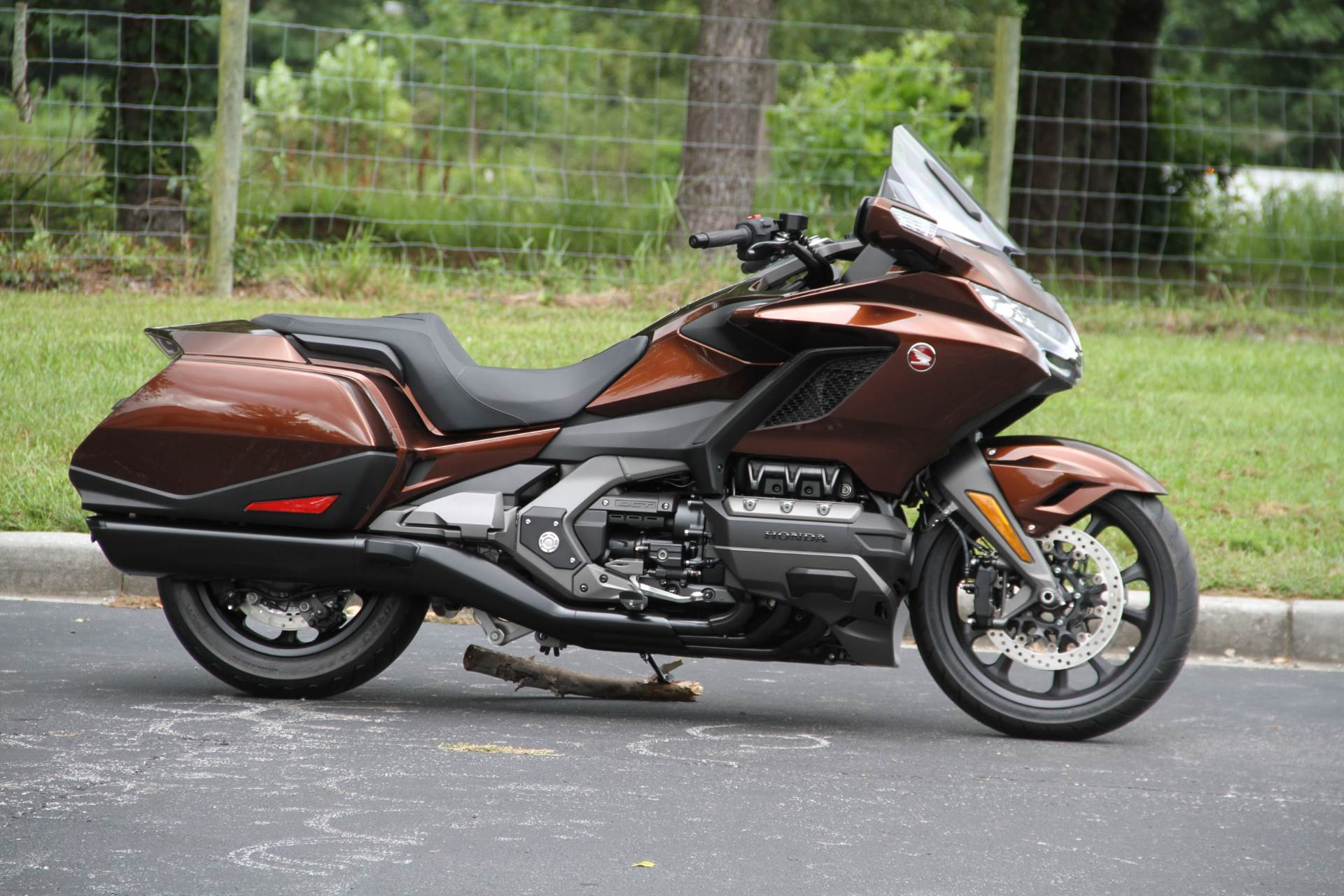 2018 Honda Gold Wing DCT in Hendersonville, North Carolina - Photo 2