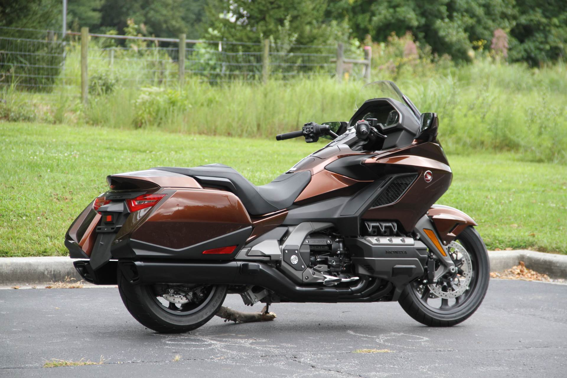 2018 Honda Gold Wing DCT in Hendersonville, North Carolina - Photo 10