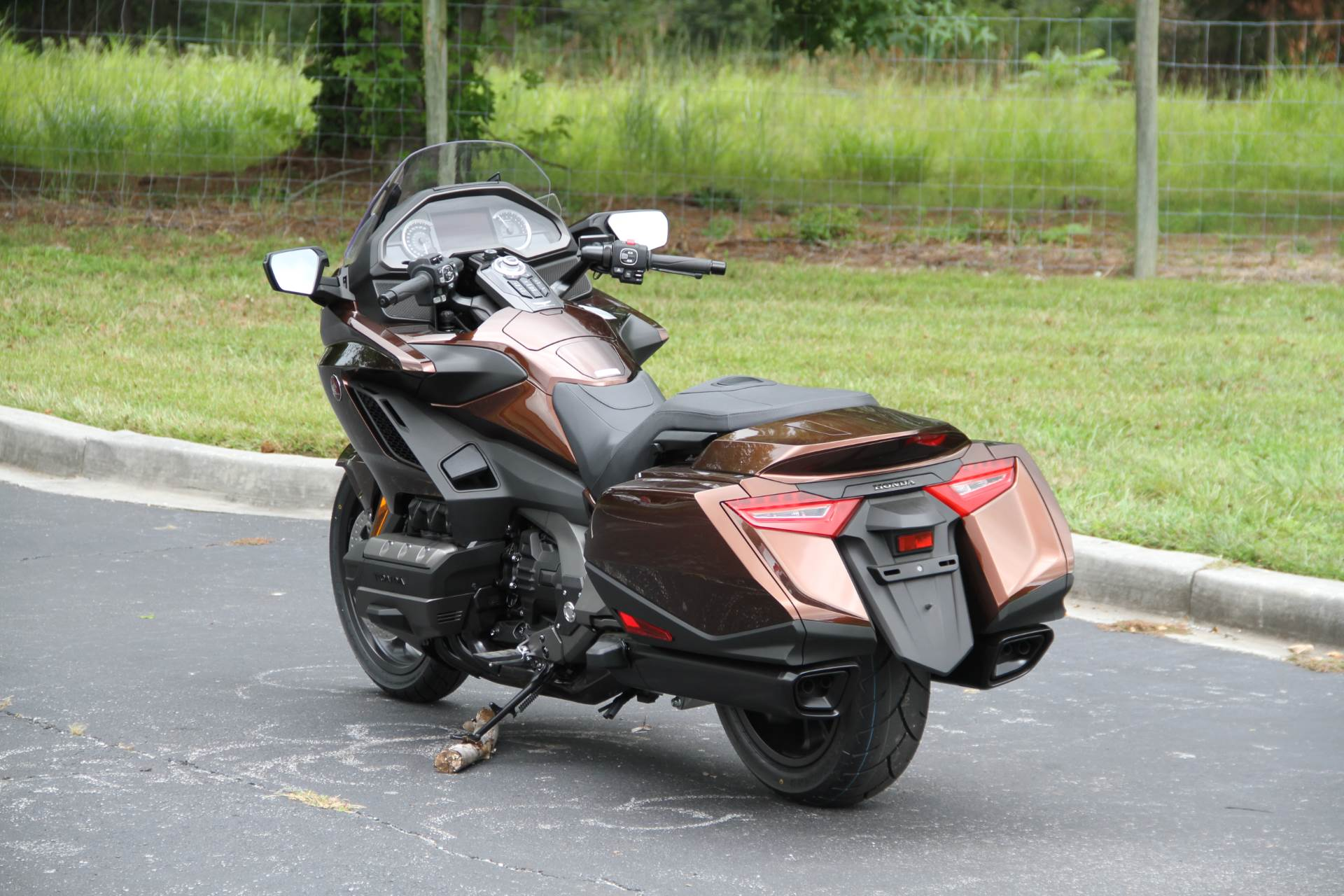 2018 Honda Gold Wing DCT in Hendersonville, North Carolina - Photo 17