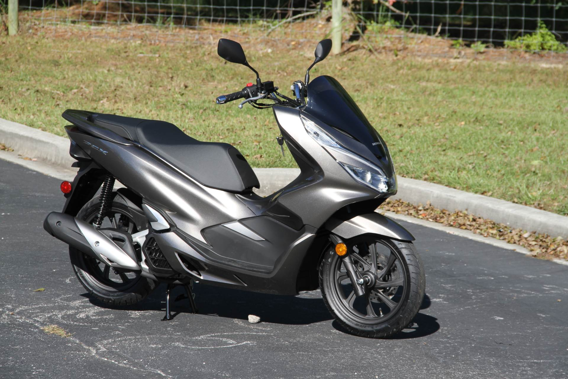 2019 Honda PCX150 ABS in Hendersonville, North Carolina - Photo 4