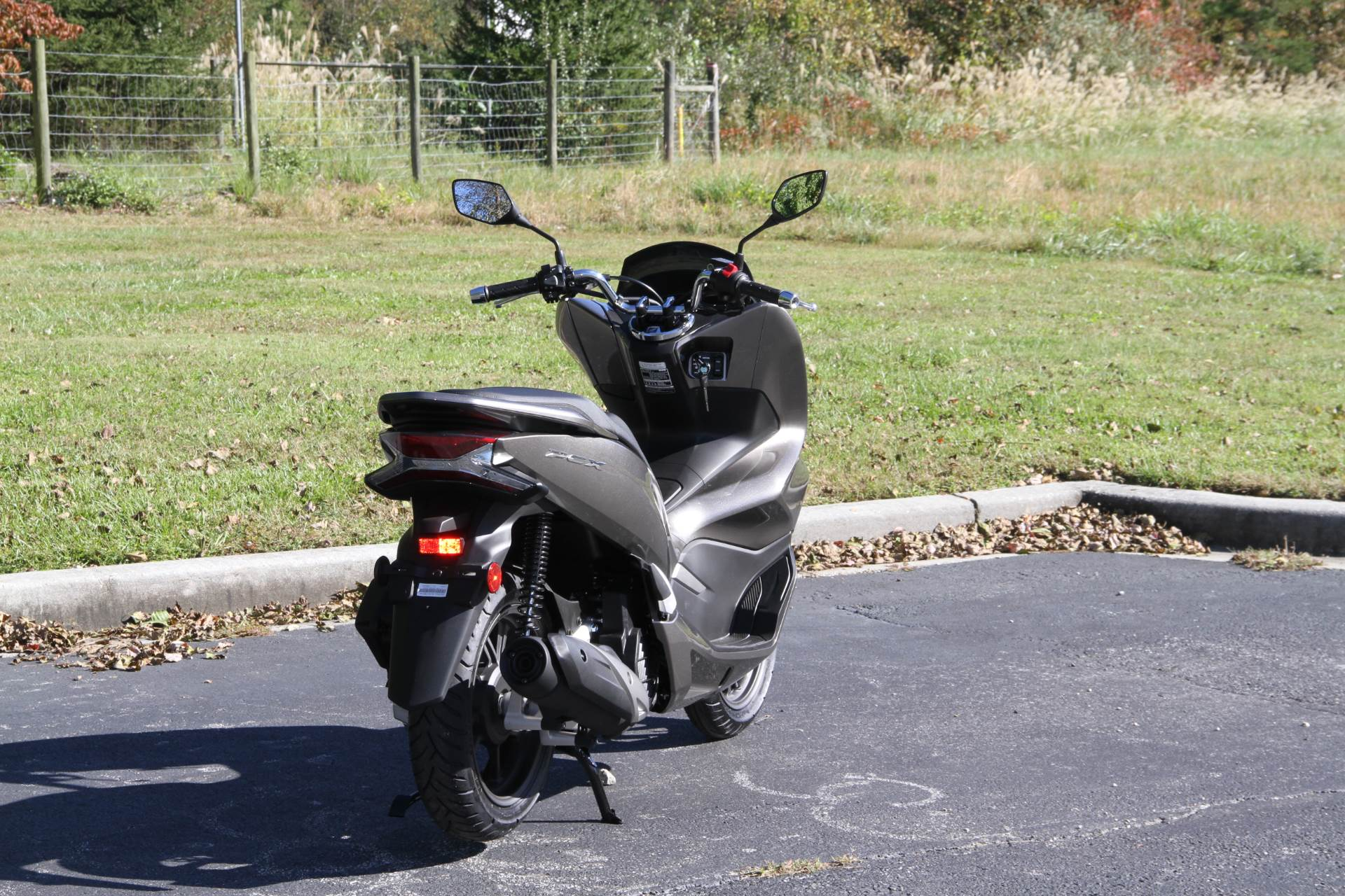 2019 Honda PCX150 ABS in Hendersonville, North Carolina - Photo 8