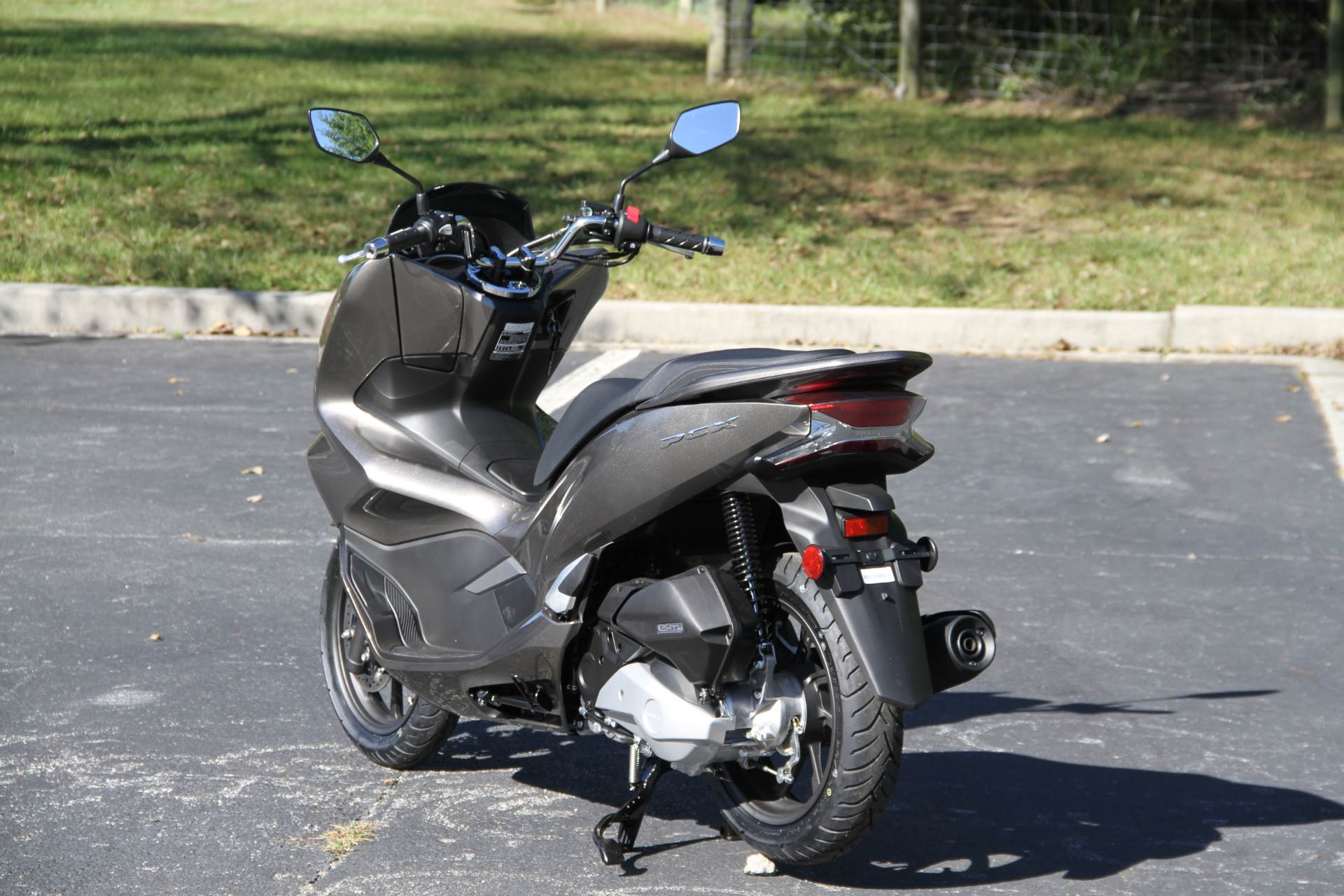 2019 Honda PCX150 ABS in Hendersonville, North Carolina - Photo 9