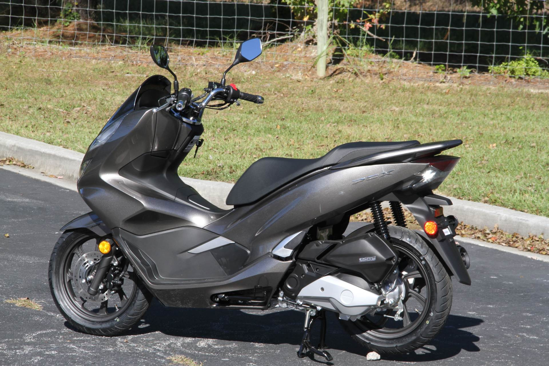 2019 Honda PCX150 ABS in Hendersonville, North Carolina - Photo 10