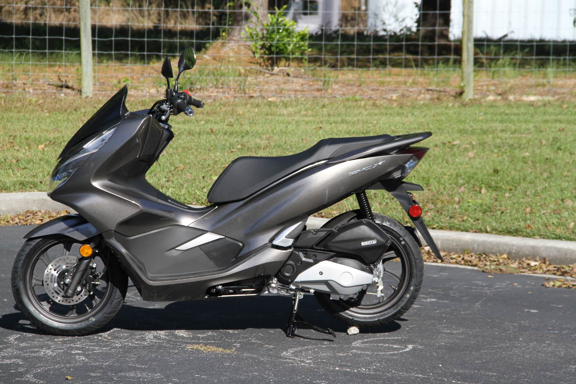 2019 Honda PCX150 ABS in Hendersonville, North Carolina - Photo 11