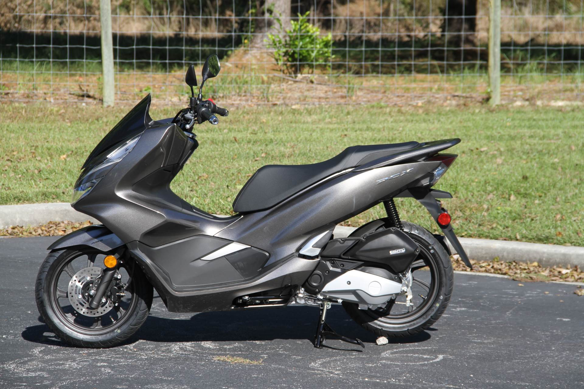 2019 Honda PCX150 ABS in Hendersonville, North Carolina - Photo 12