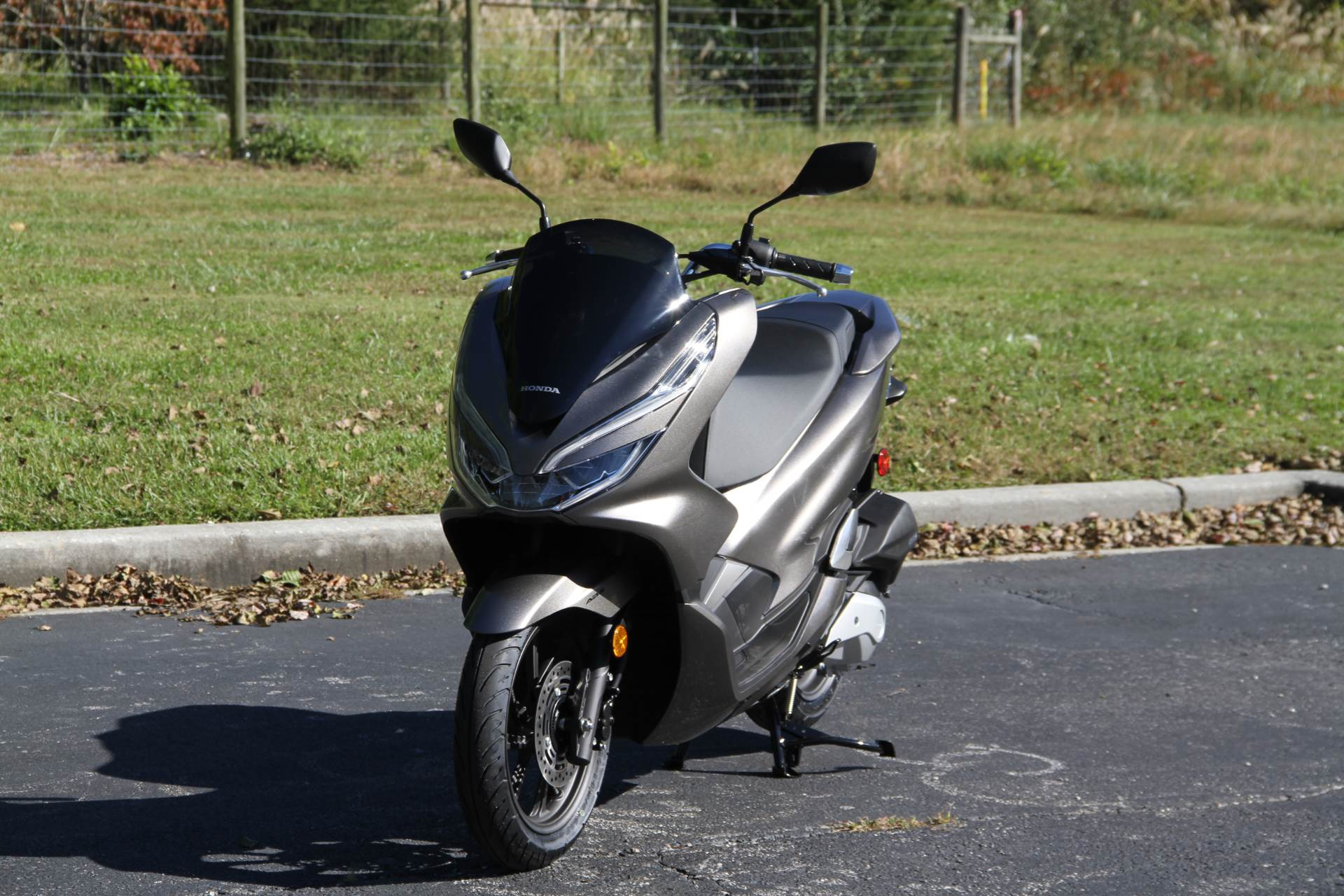 2019 Honda PCX150 ABS in Hendersonville, North Carolina - Photo 15