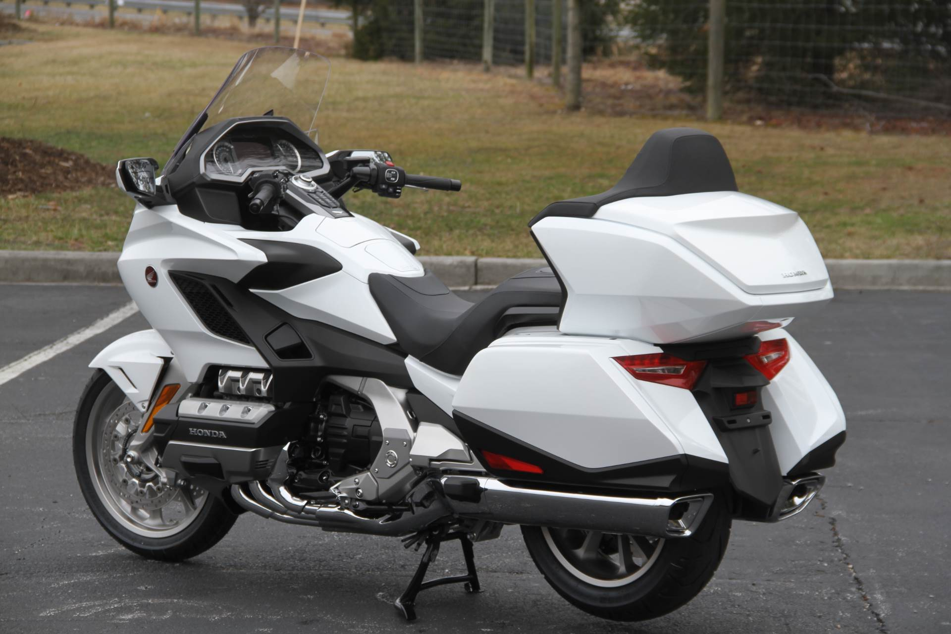 2018 Honda Gold Wing Tour Automatic DCT in Hendersonville, North Carolina - Photo 33