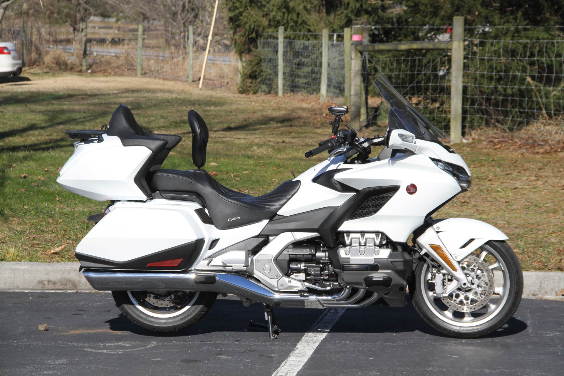 2018 Honda Gold Wing Tour Automatic DCT in Hendersonville, North Carolina - Photo 9