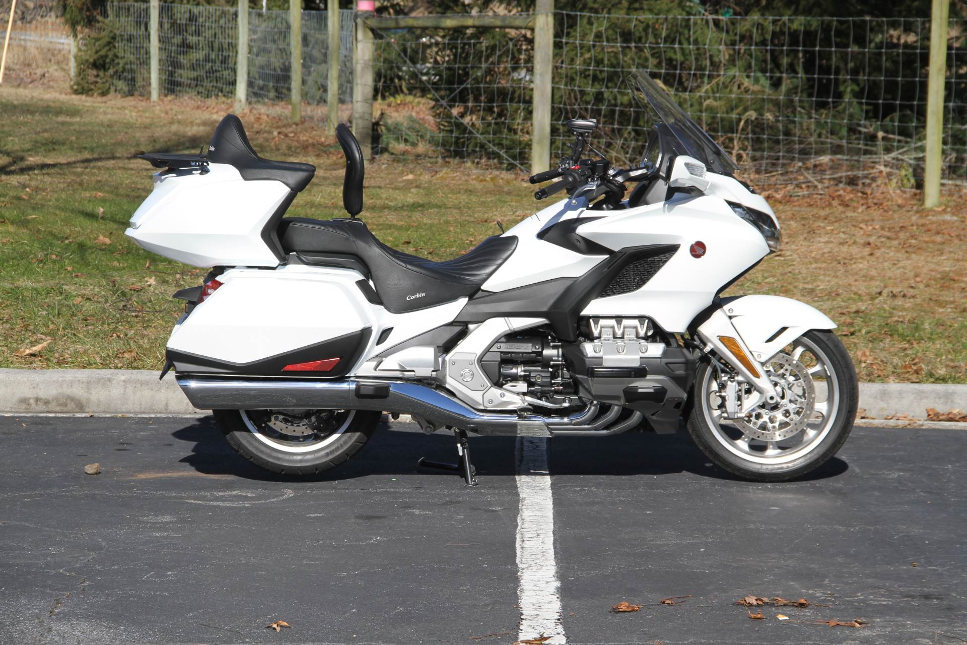 2018 Honda Gold Wing Tour Automatic DCT in Hendersonville, North Carolina - Photo 12
