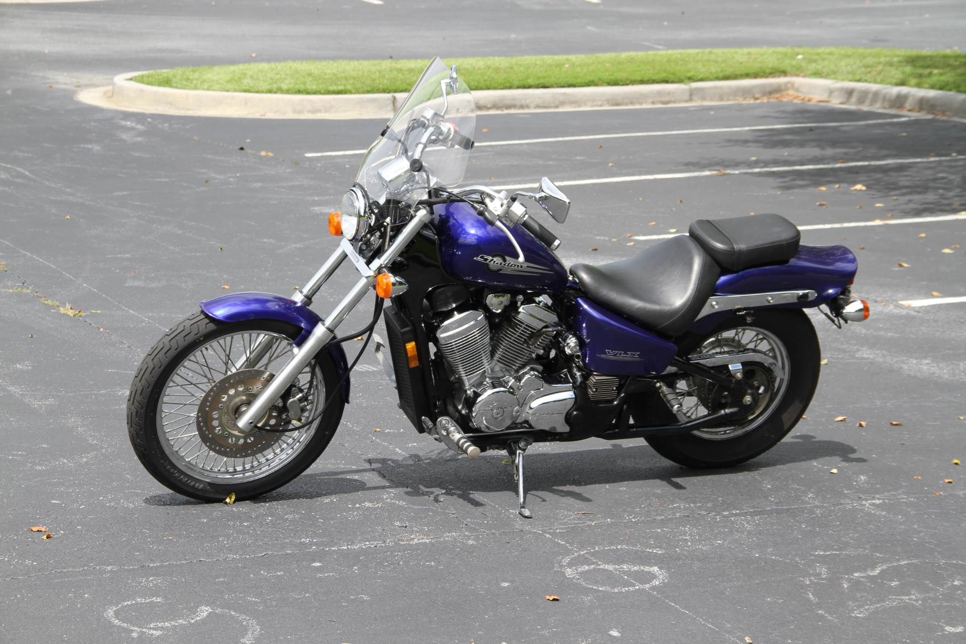 2001 Honda Shadow VLX in Hendersonville, North Carolina