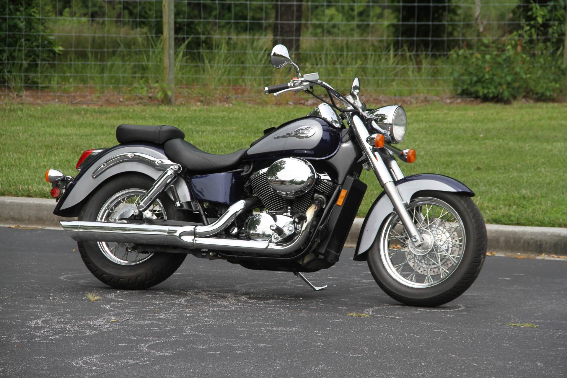 2001 Honda Shadow ACE Deluxe in Hendersonville, North Carolina - Photo 1