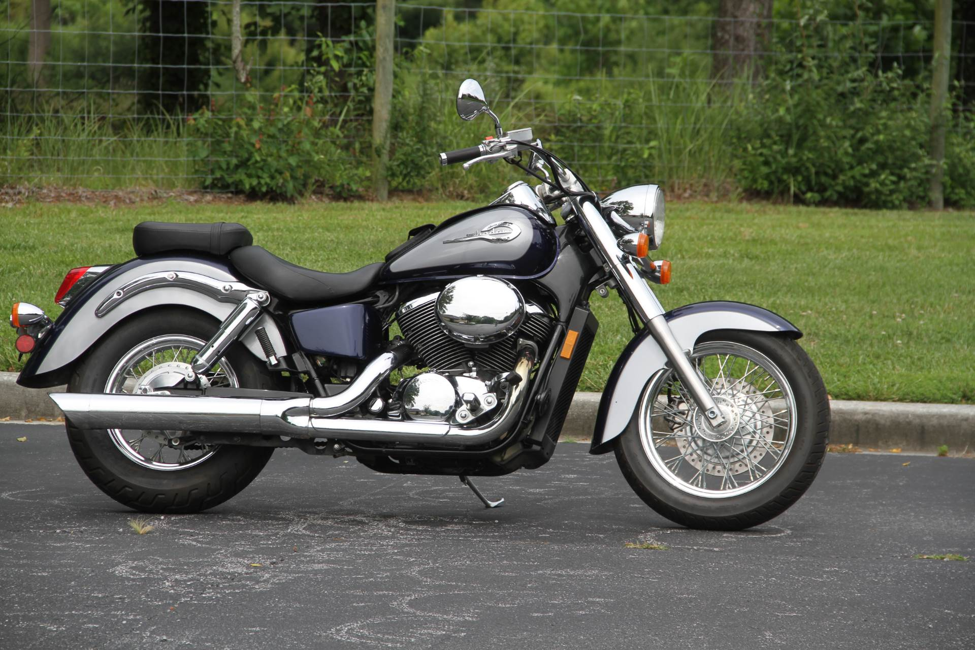 2001 Honda Shadow ACE Deluxe in Hendersonville, North Carolina - Photo 3