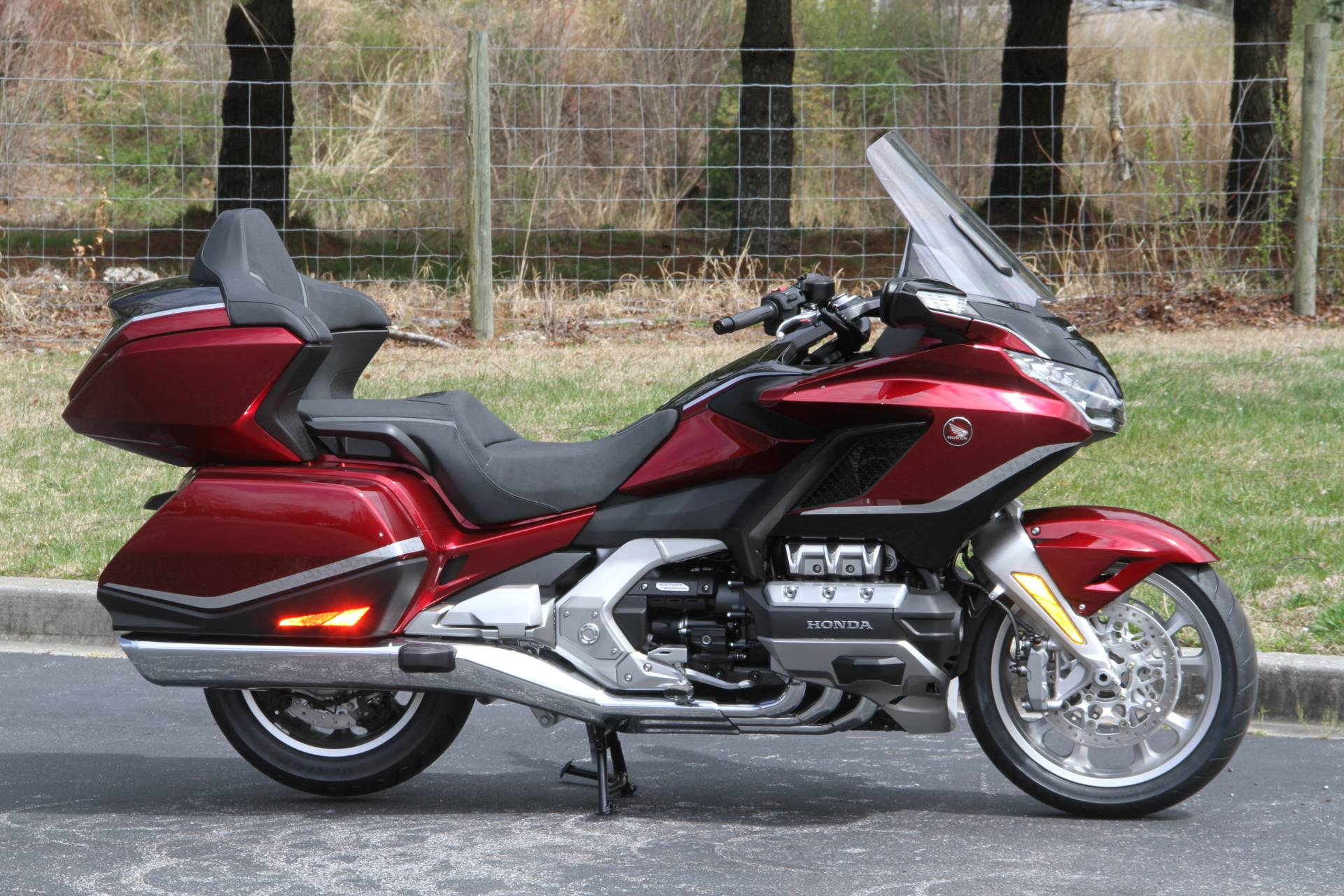 2021 Honda Gold Wing Tour Airbag Automatic DCT in Hendersonville, North Carolina - Photo 4