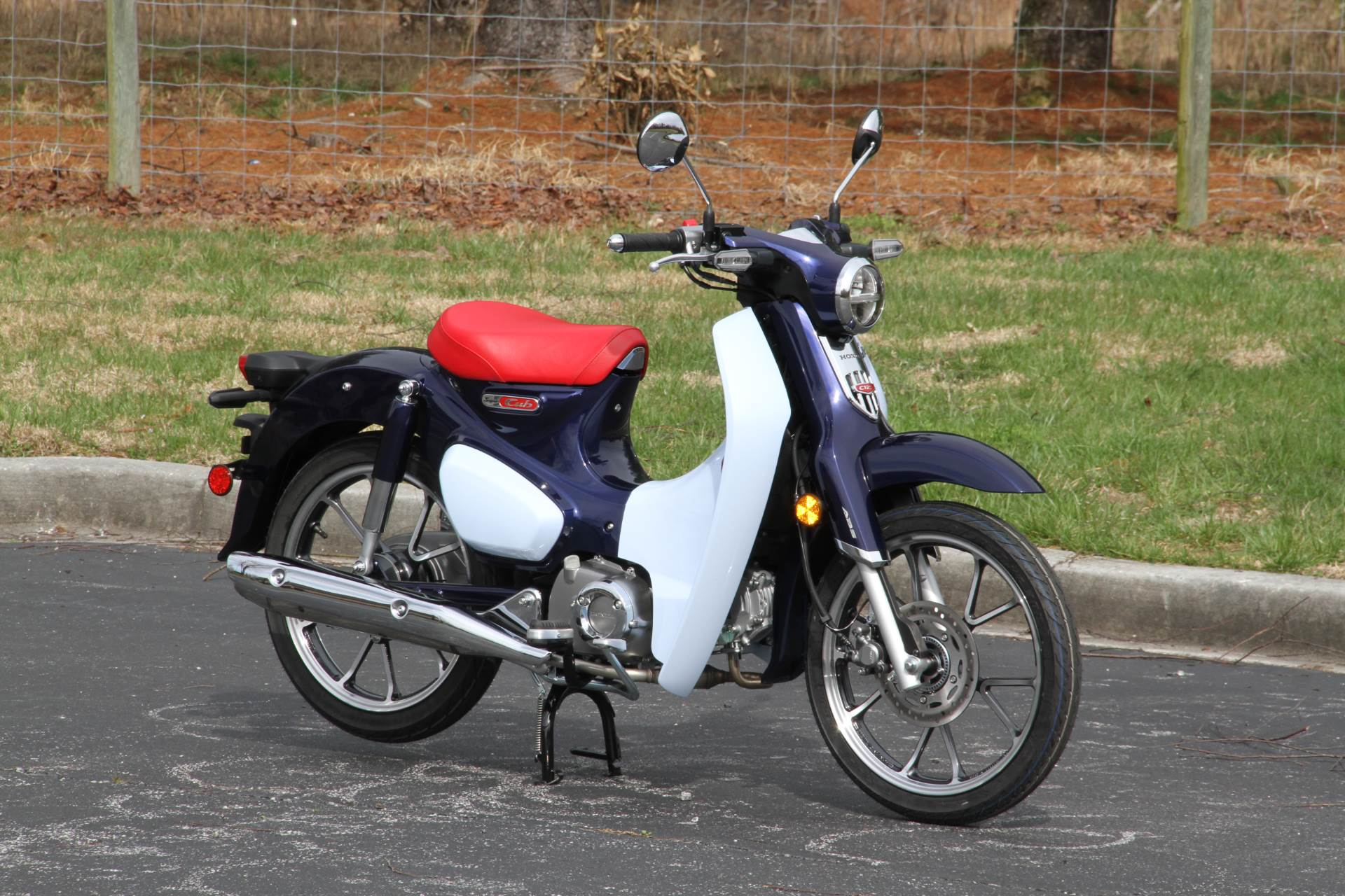 2019 Honda Super Cub C125 ABS in Hendersonville, North Carolina - Photo 5