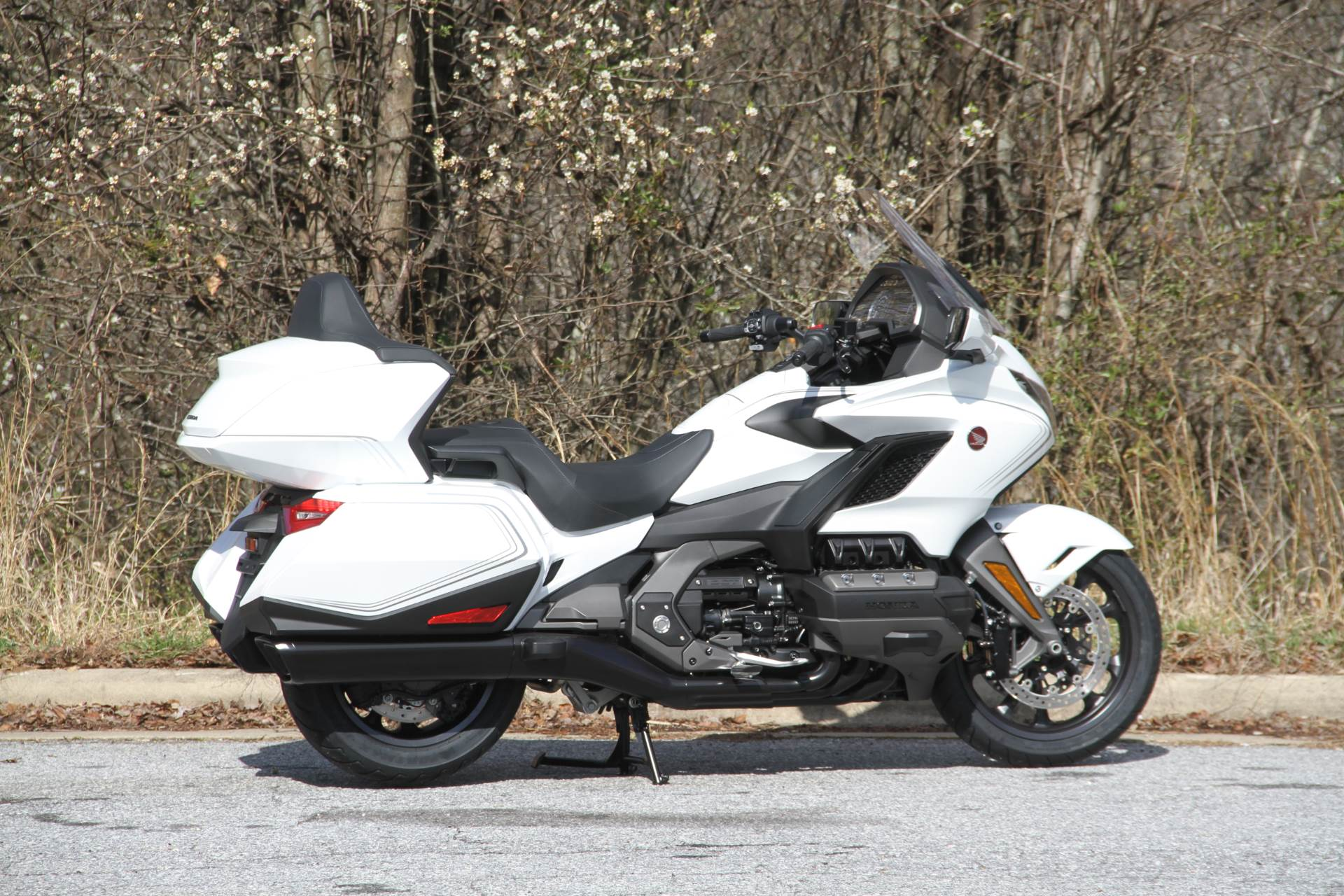2020 Honda Gold Wing Tour in Hendersonville, North Carolina - Photo 9