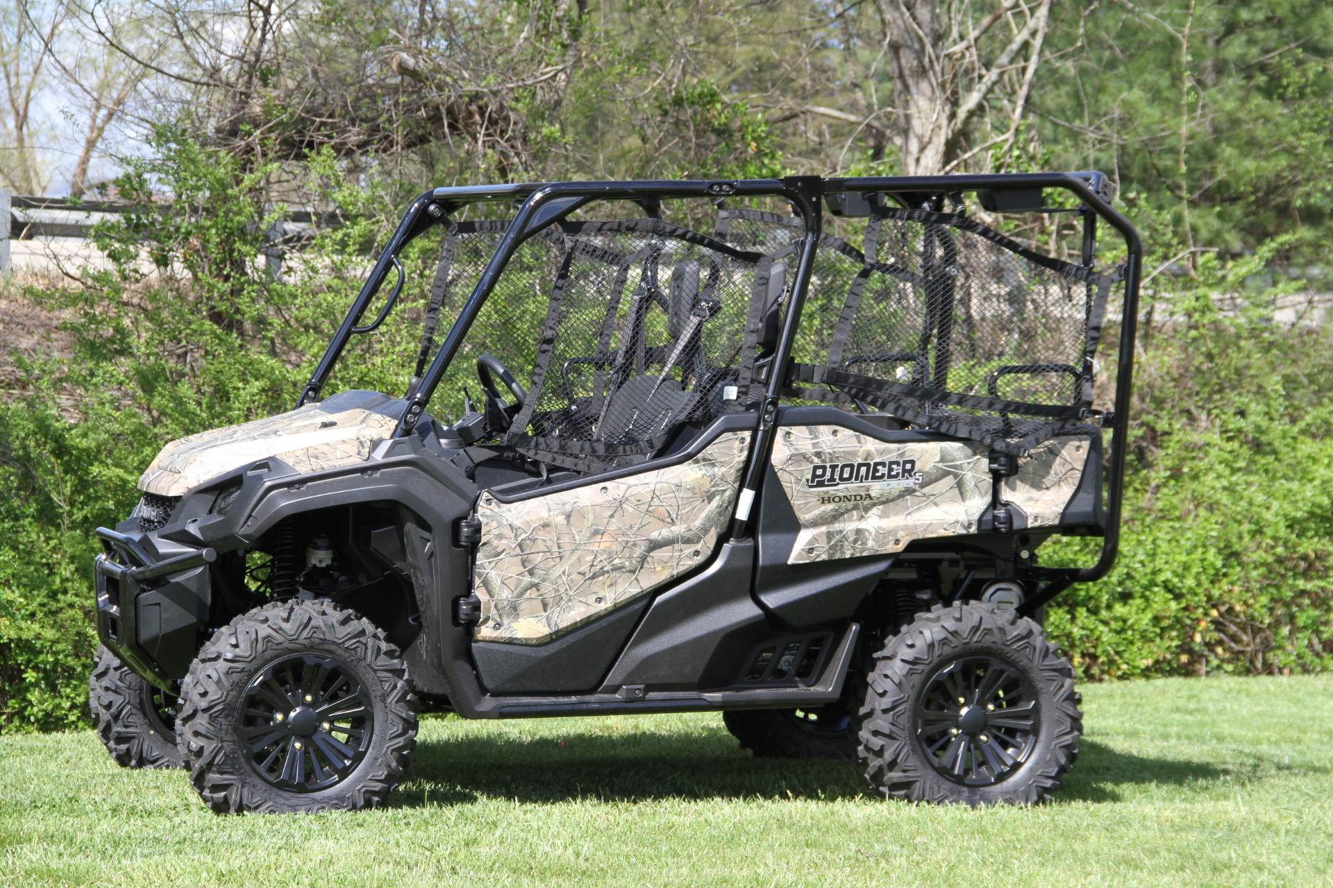 2018 Honda Pioneer 1000-5 Deluxe in Hendersonville, North Carolina