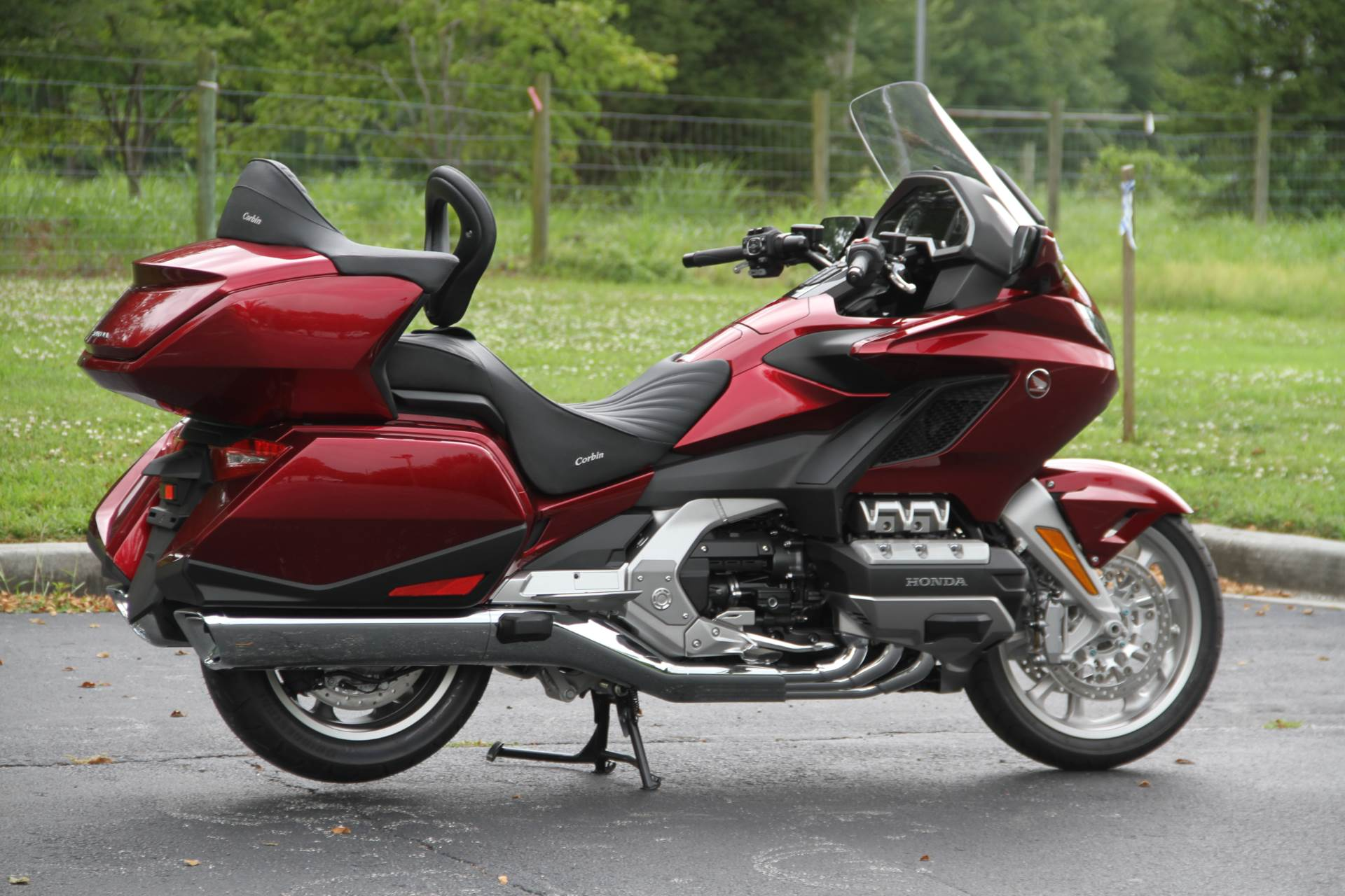 2018 Honda Gold Wing Tour in Hendersonville, North Carolina - Photo 10