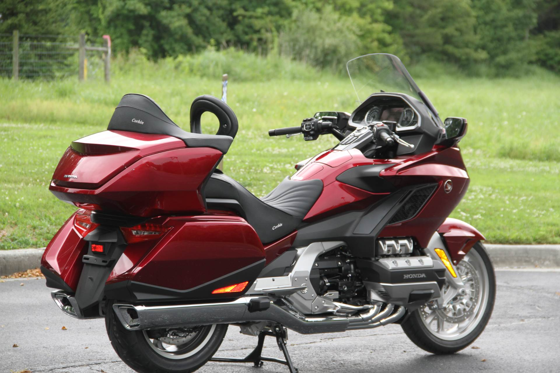 2018 Honda Gold Wing Tour in Hendersonville, North Carolina - Photo 11