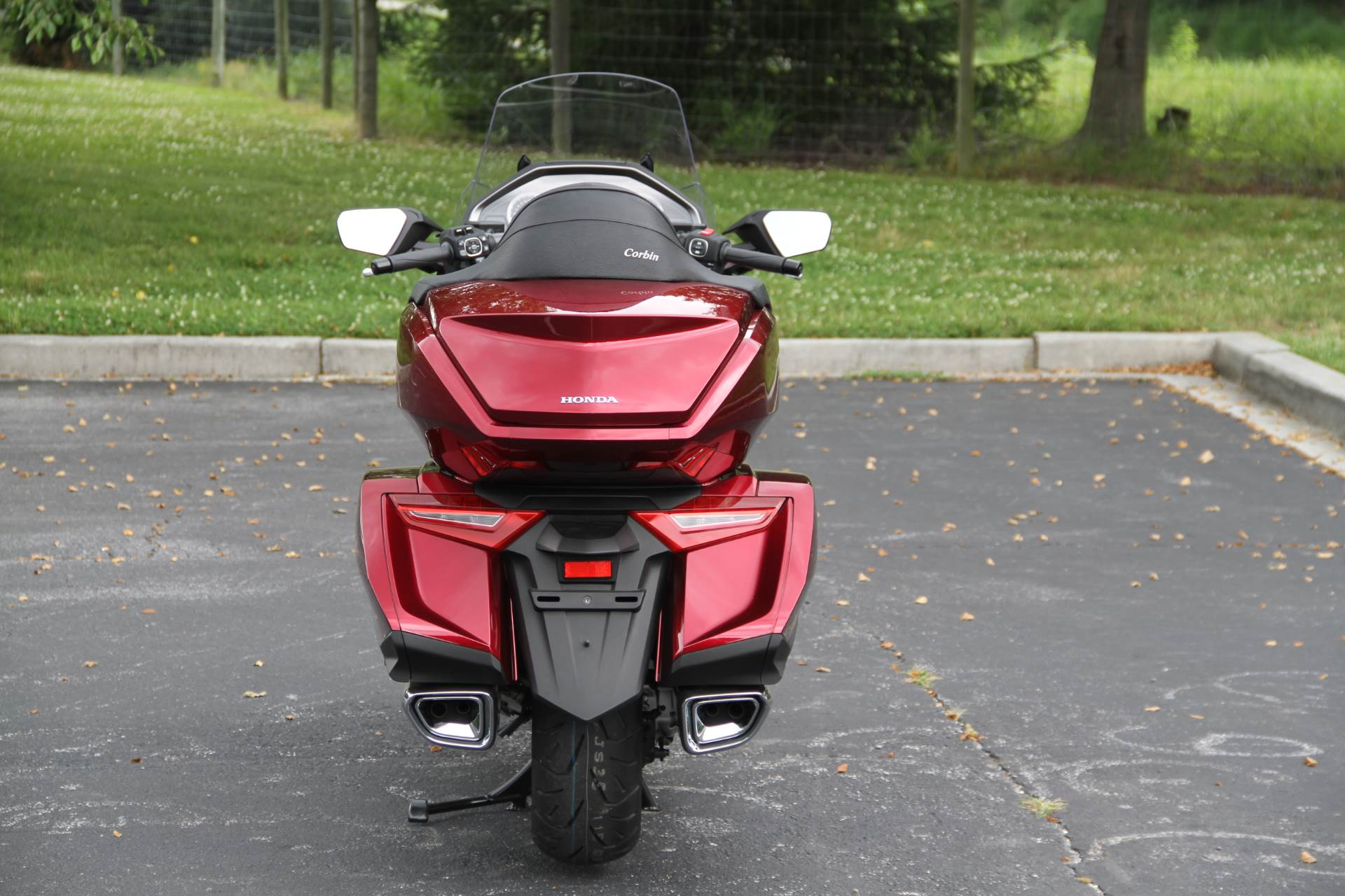 2018 Honda Gold Wing Tour in Hendersonville, North Carolina - Photo 16