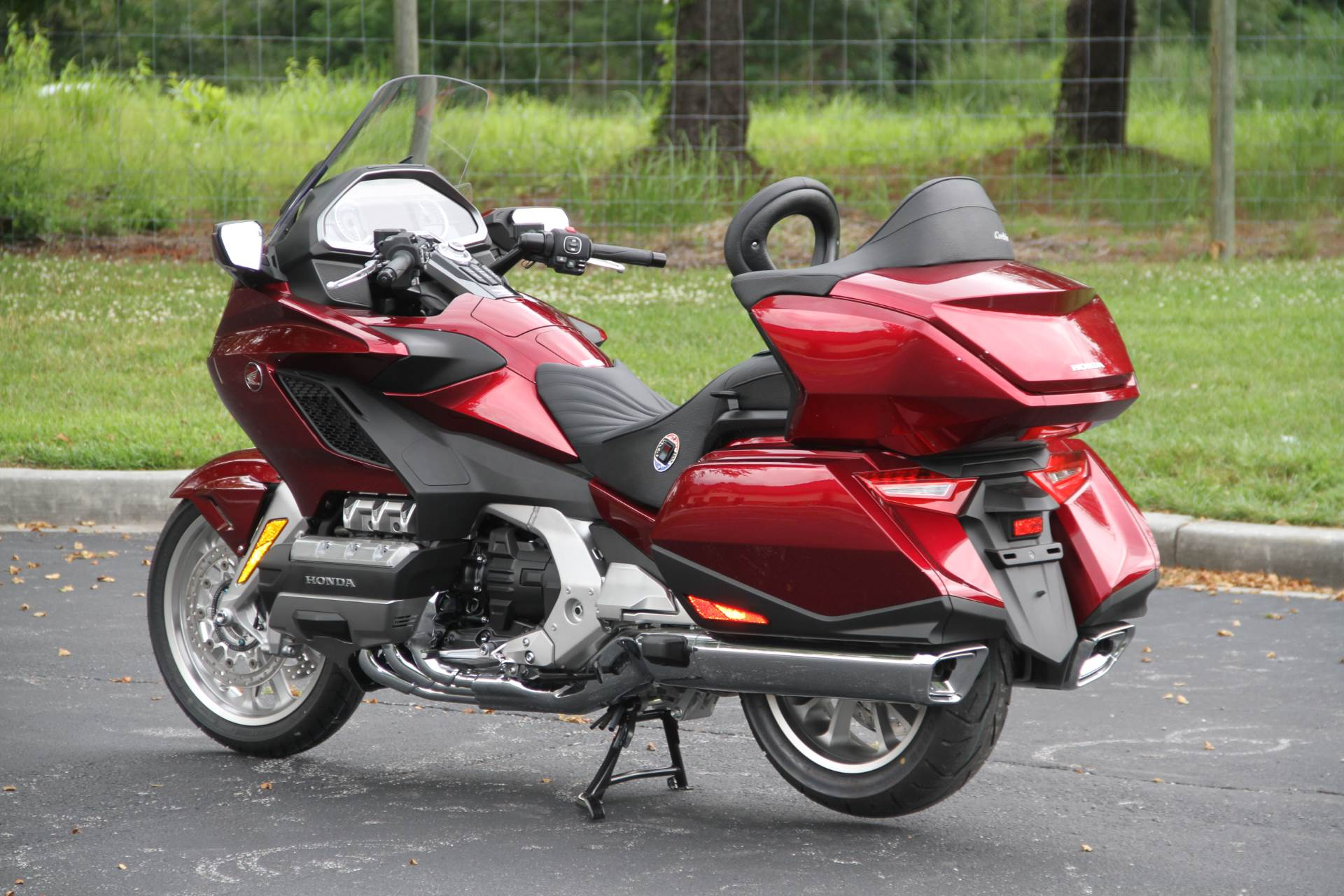 2018 Honda Gold Wing Tour in Hendersonville, North Carolina - Photo 18