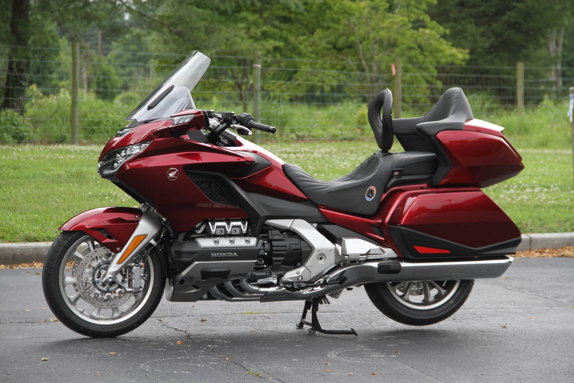 2018 Honda Gold Wing Tour in Hendersonville, North Carolina - Photo 2