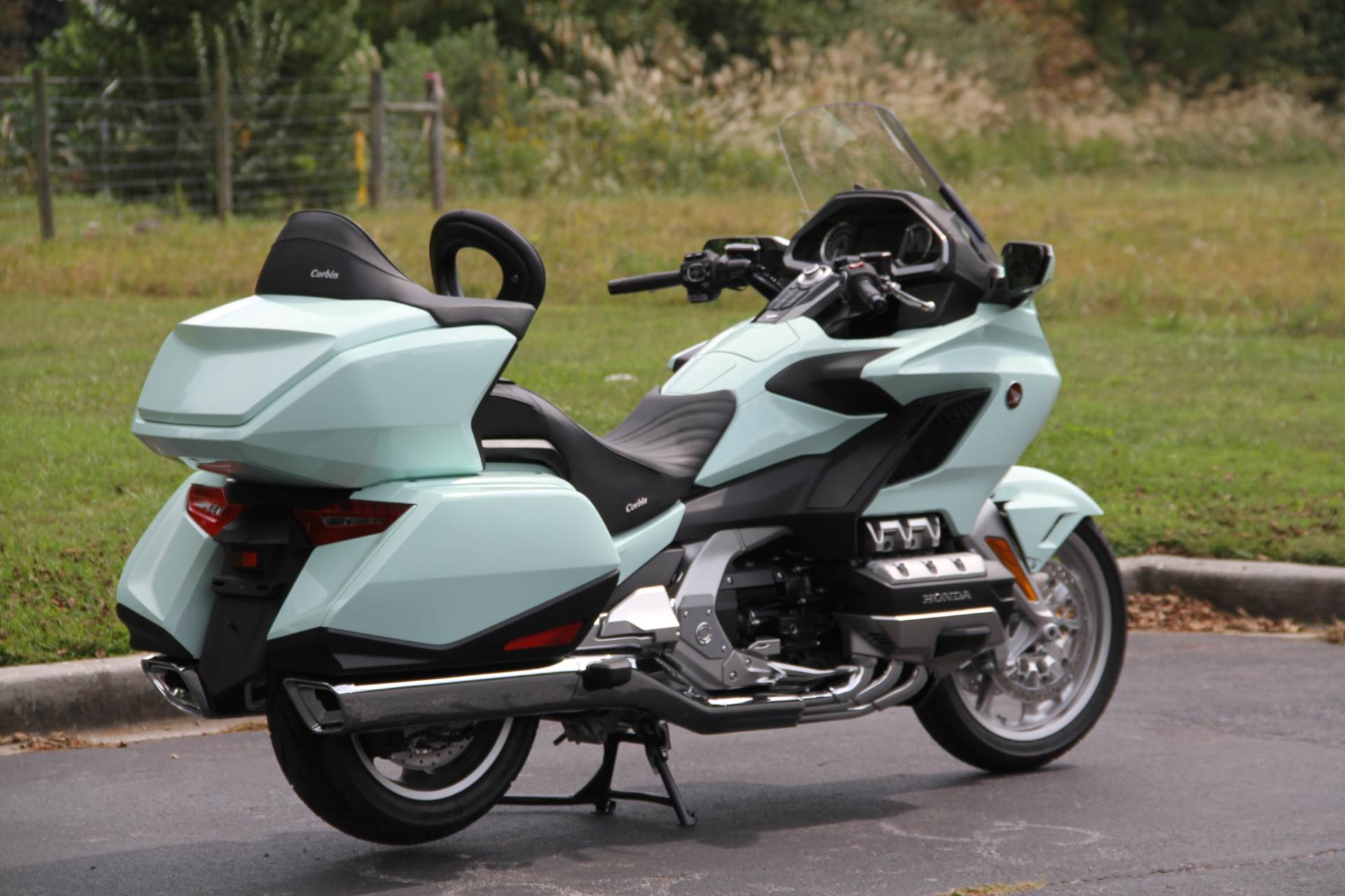 2018 Honda Gold Wing Tour in Hendersonville, North Carolina