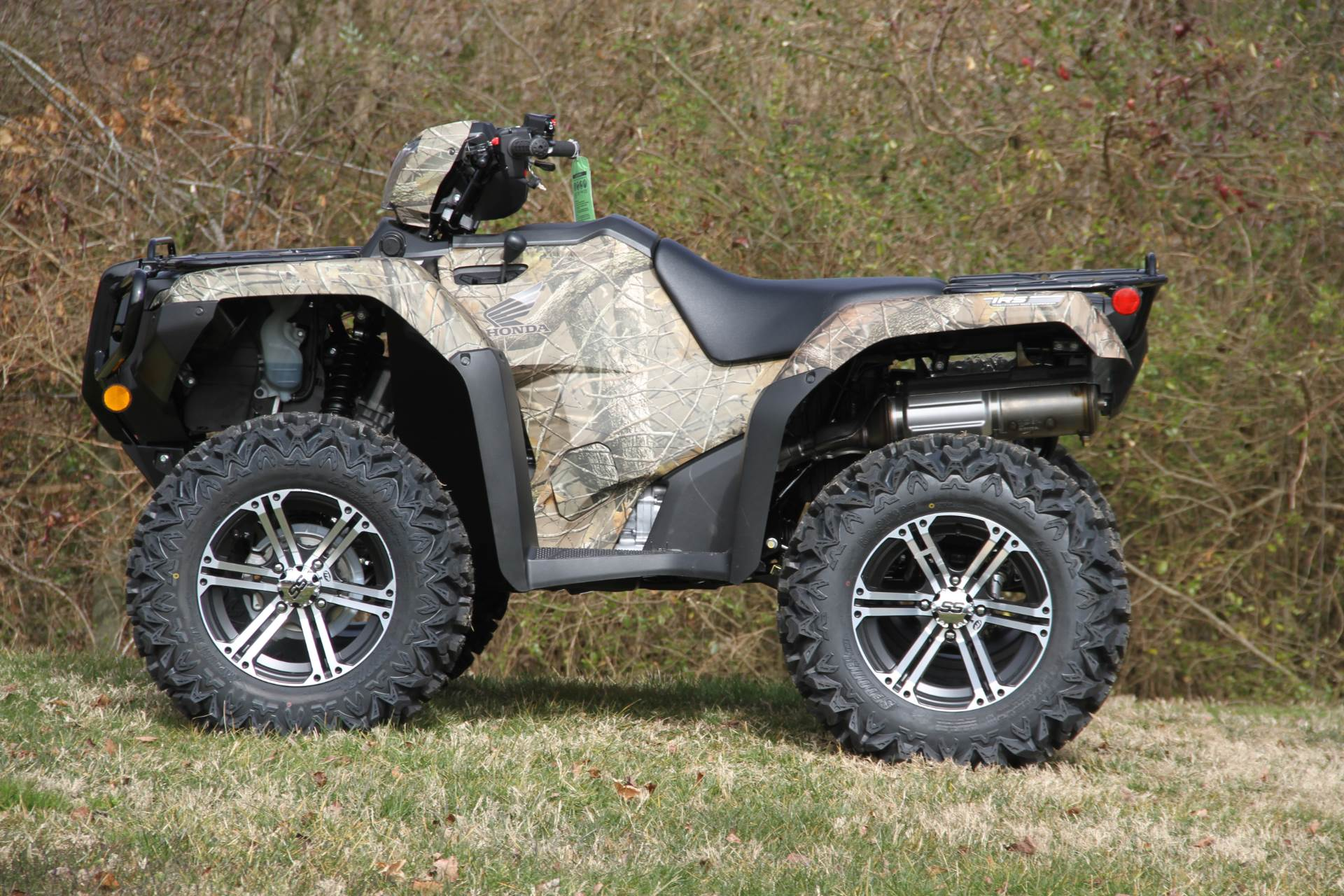 2020 Honda FourTrax Foreman Rubicon 4x4 Automatic DCT EPS Deluxe in Hendersonville, North Carolina - Photo 2