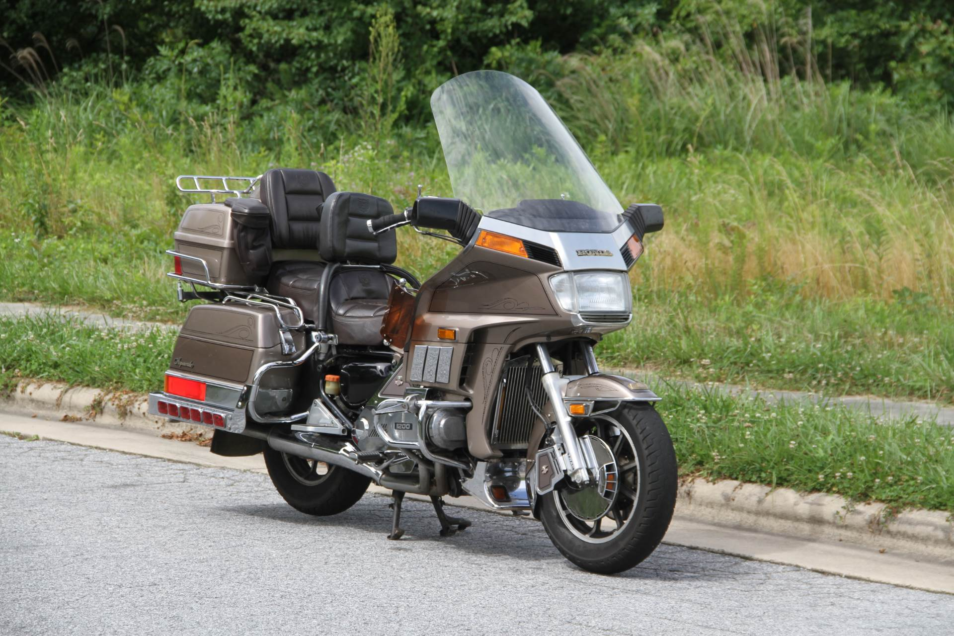1984 Honda GL1200 Aspencade in Hendersonville, North Carolina - Photo 4