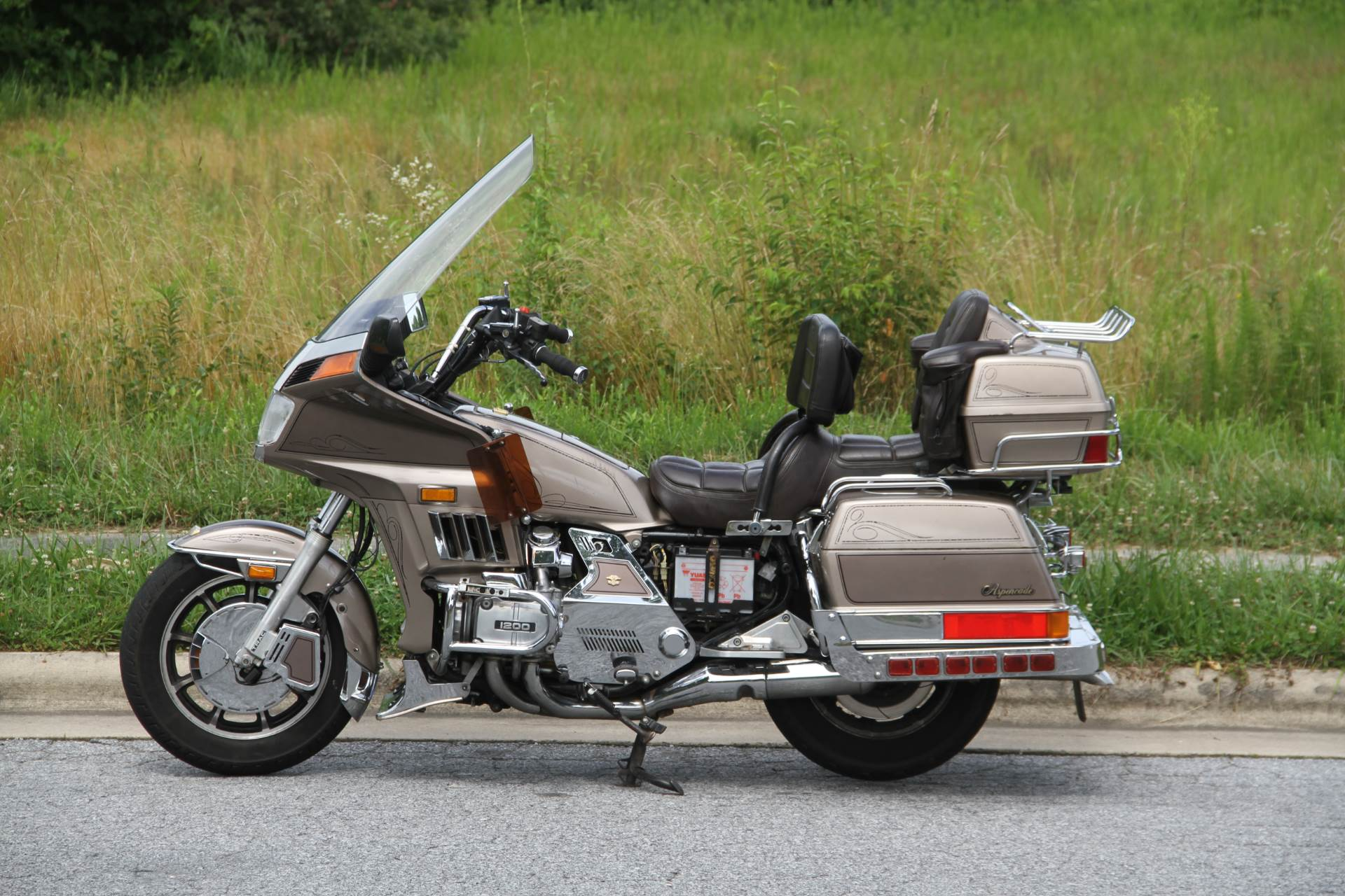 1984 Honda GL1200 Aspencade in Hendersonville, North Carolina - Photo 19