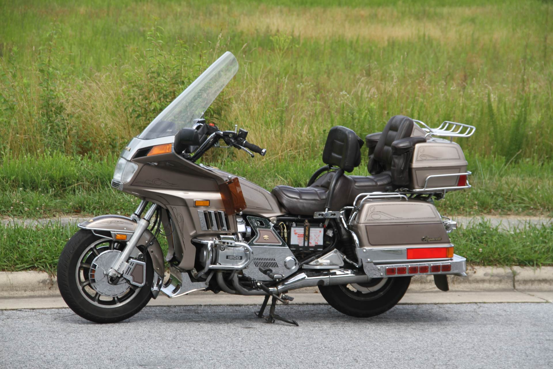 1984 Honda GL1200 Aspencade in Hendersonville, North Carolina - Photo 2