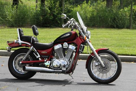 1998 suzuki INTRUDER 1400 in Hendersonville, North Carolina