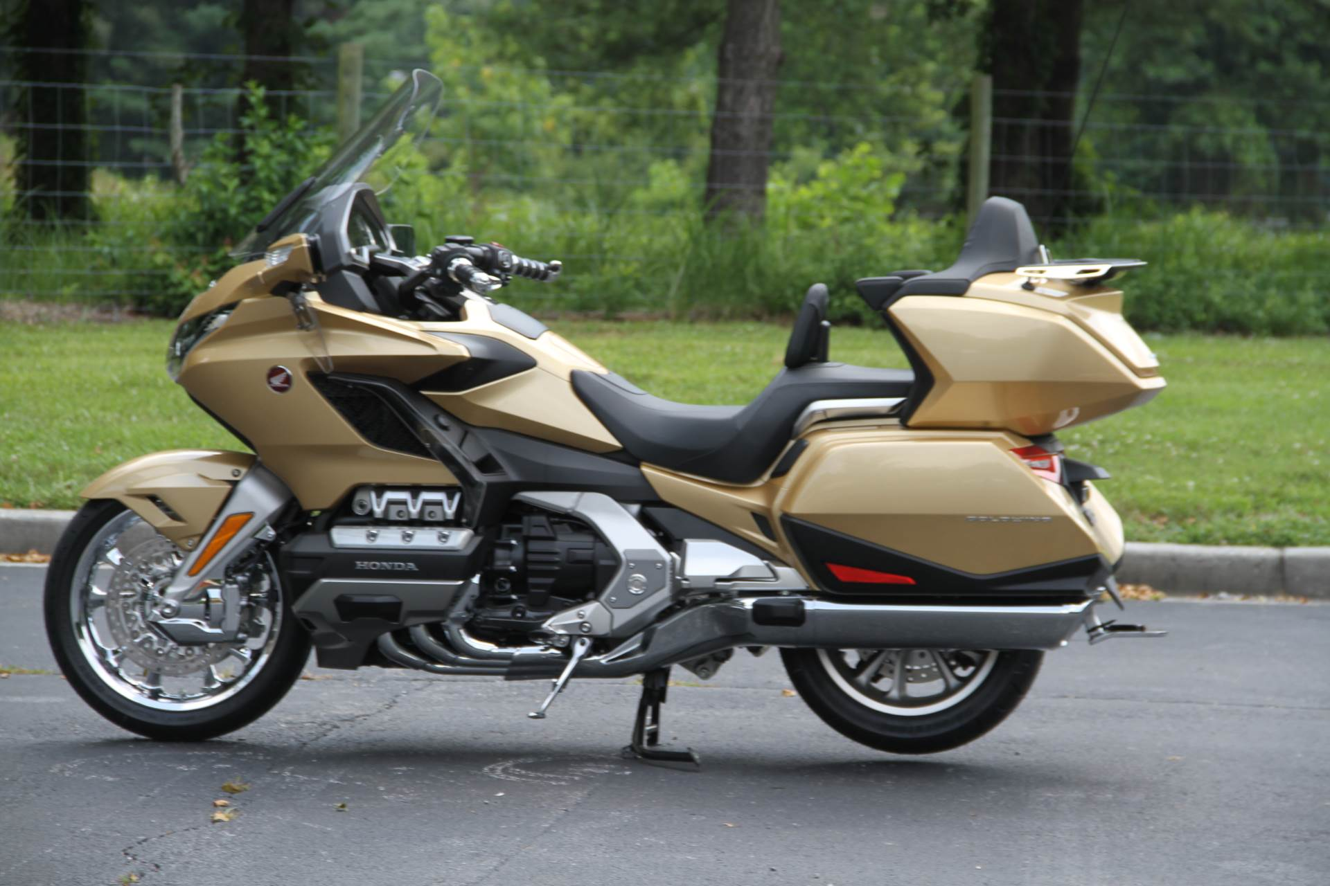 2018 Honda Gold Wing Tour Airbag Automatic DCT in Hendersonville, North Carolina - Photo 20