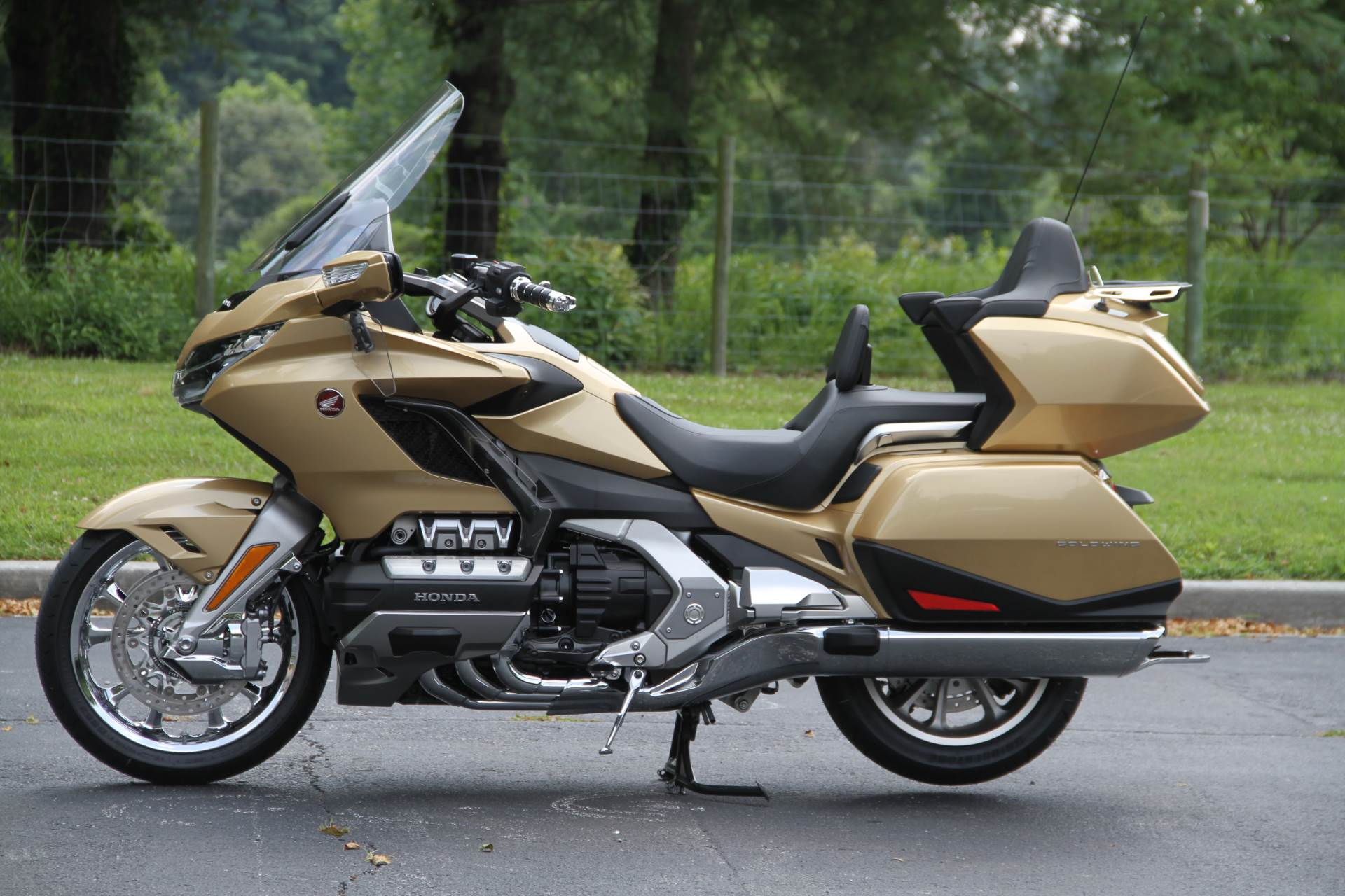 2018 Honda Gold Wing Tour Airbag Automatic DCT in Hendersonville, North Carolina - Photo 23
