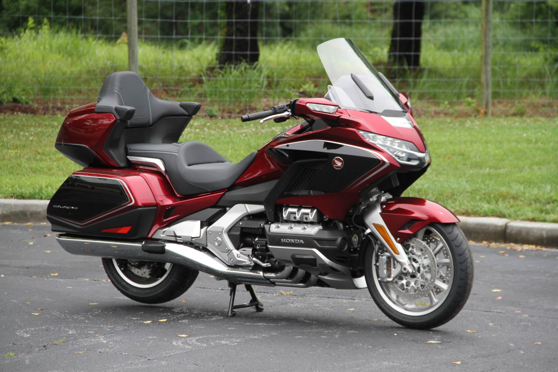 2018 Honda Gold Wing Tour Airbag Automatic DCT in Hendersonville, North Carolina - Photo 4