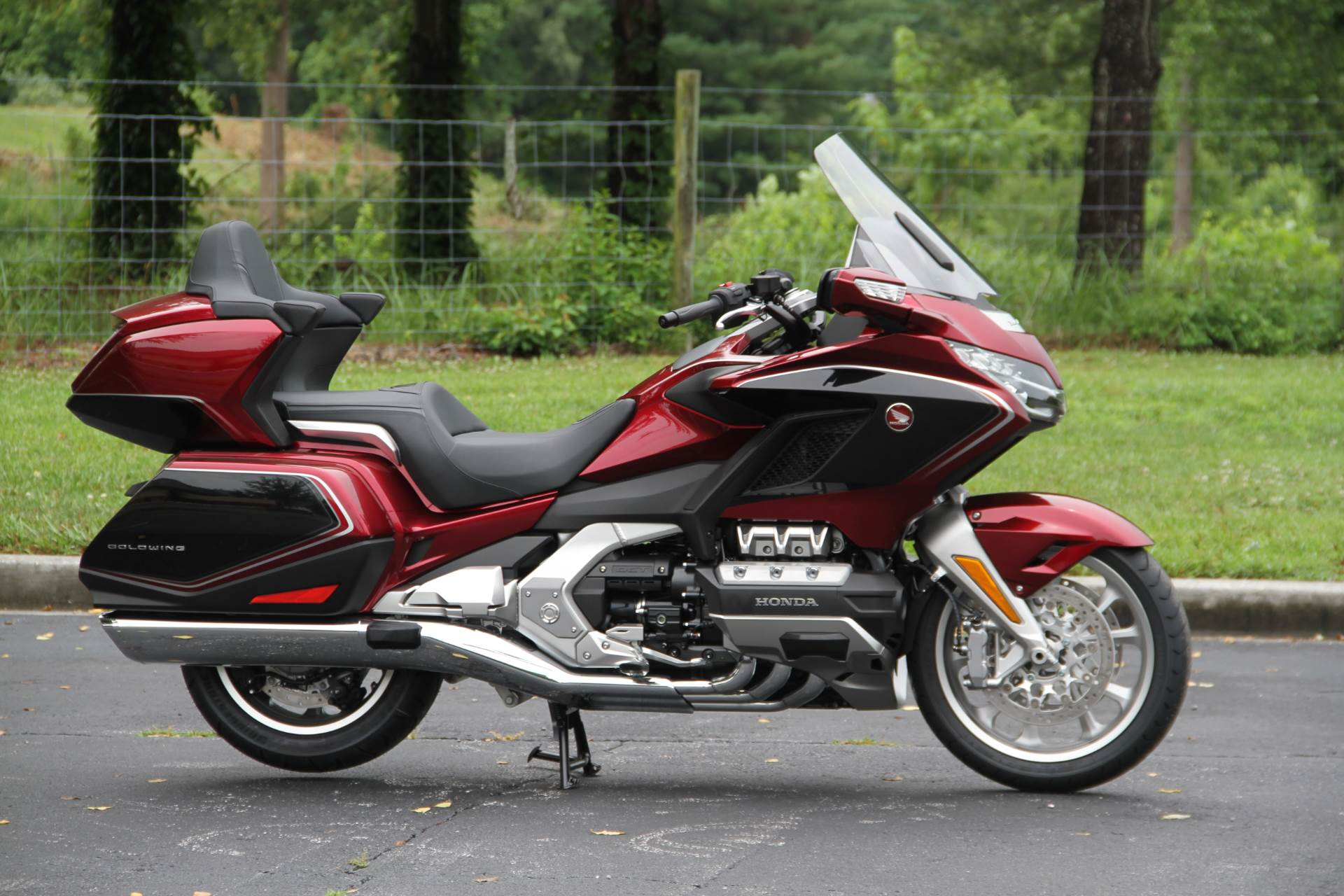 2018 Honda Gold Wing Tour Airbag Automatic DCT in Hendersonville, North Carolina - Photo 8