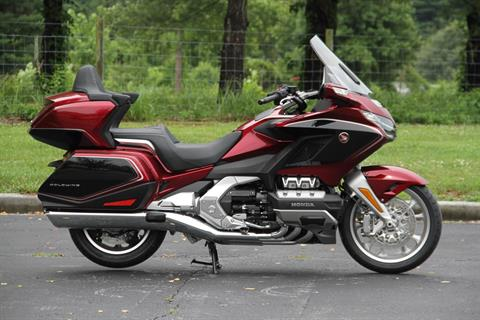 2018 Honda Gold Wing Tour Airbag Automatic DCT in Hendersonville, North Carolina - Photo 1