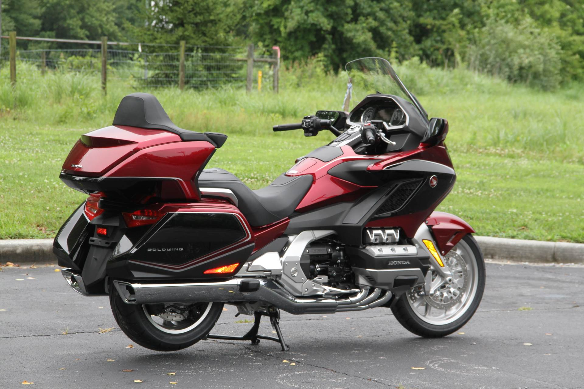 2018 Honda Gold Wing Tour Airbag Automatic DCT in Hendersonville, North Carolina - Photo 12