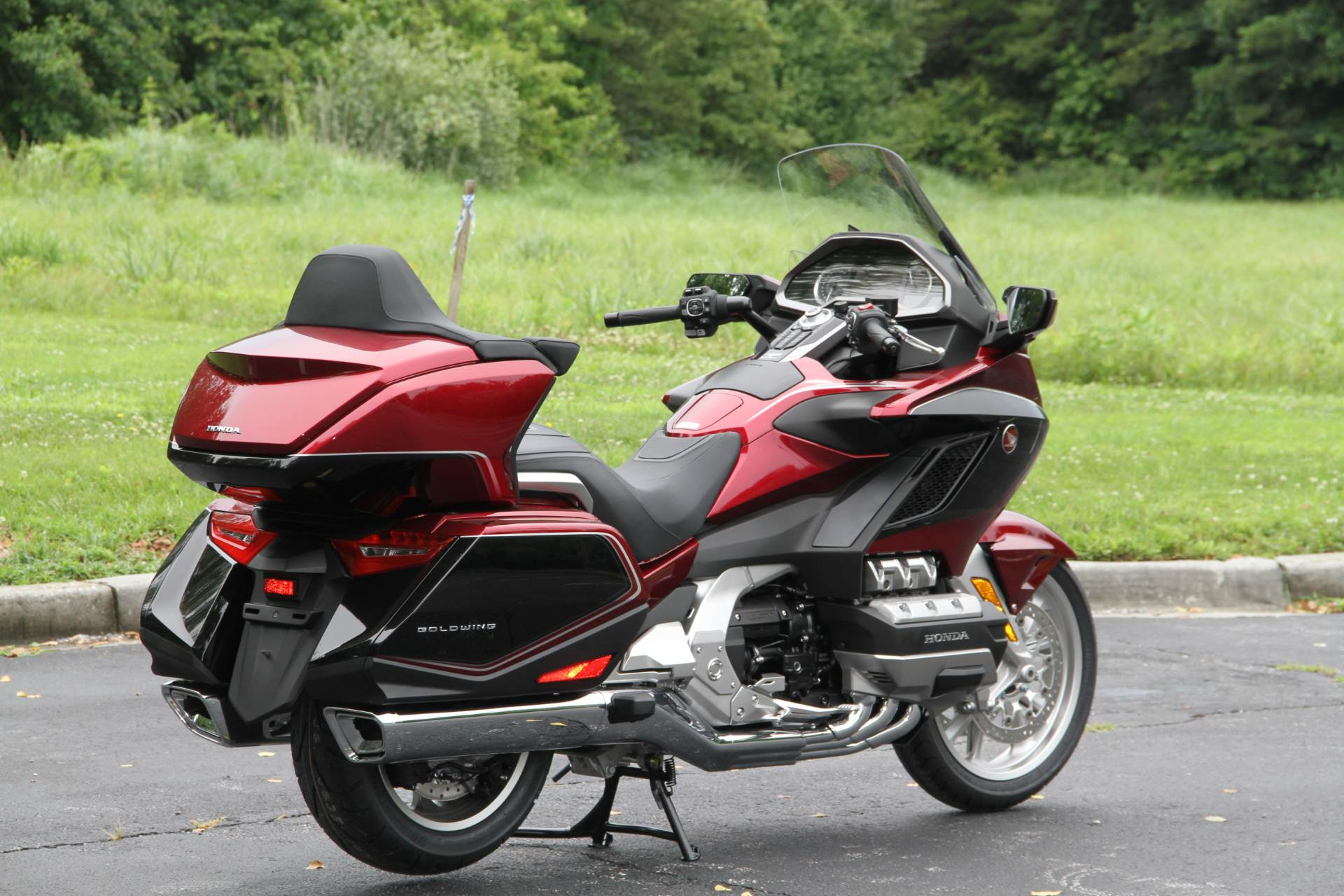 2018 Honda Gold Wing Tour Airbag Automatic DCT in Hendersonville, North Carolina - Photo 13