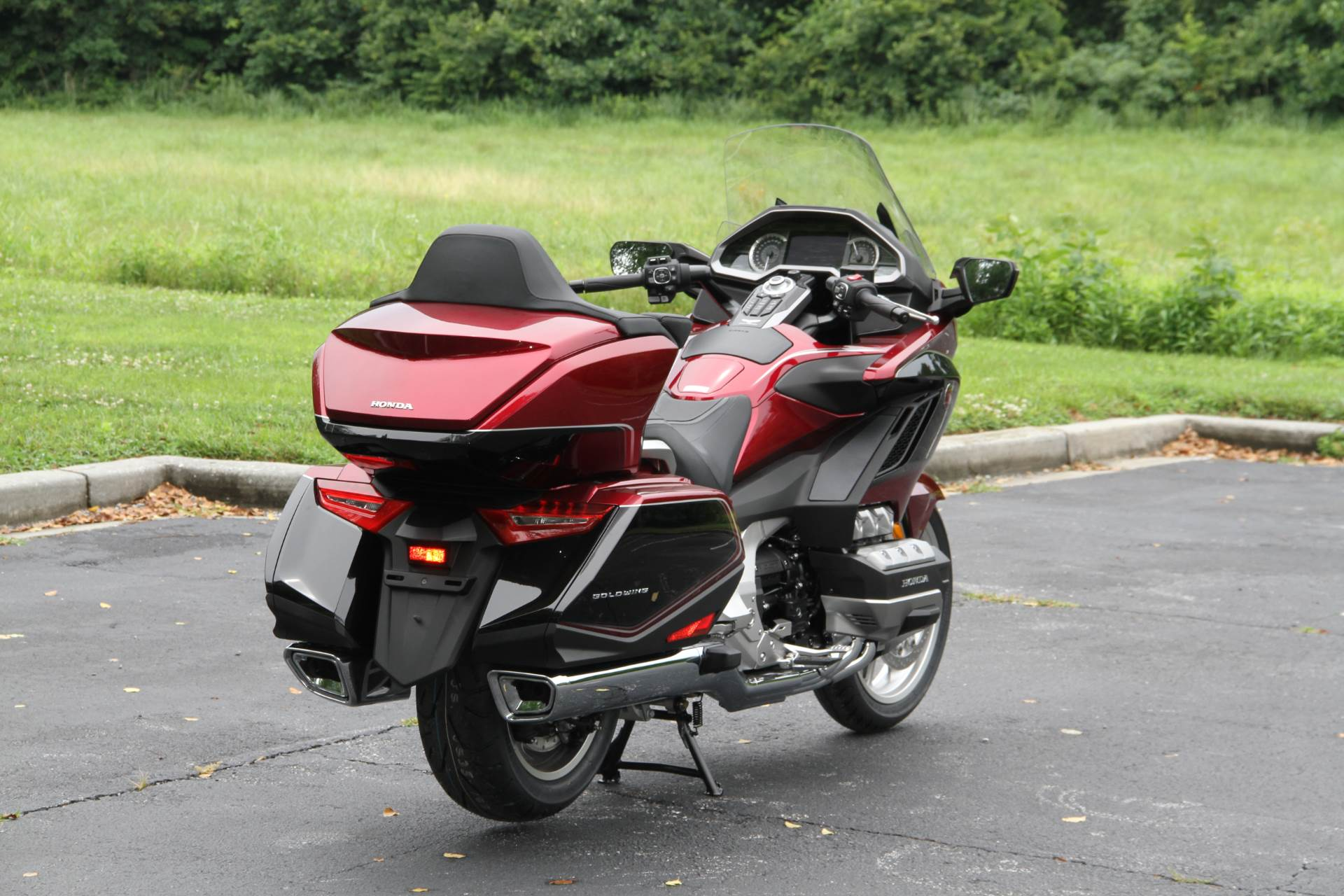 2018 Honda Gold Wing Tour Airbag Automatic DCT in Hendersonville, North Carolina - Photo 14