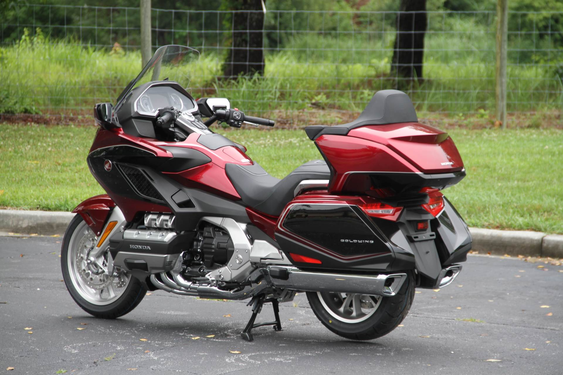 2018 Honda Gold Wing Tour Airbag Automatic DCT in Hendersonville, North Carolina - Photo 19