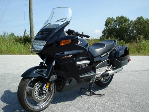 1998 Honda ST1100 in Hendersonville, North Carolina - Photo 8